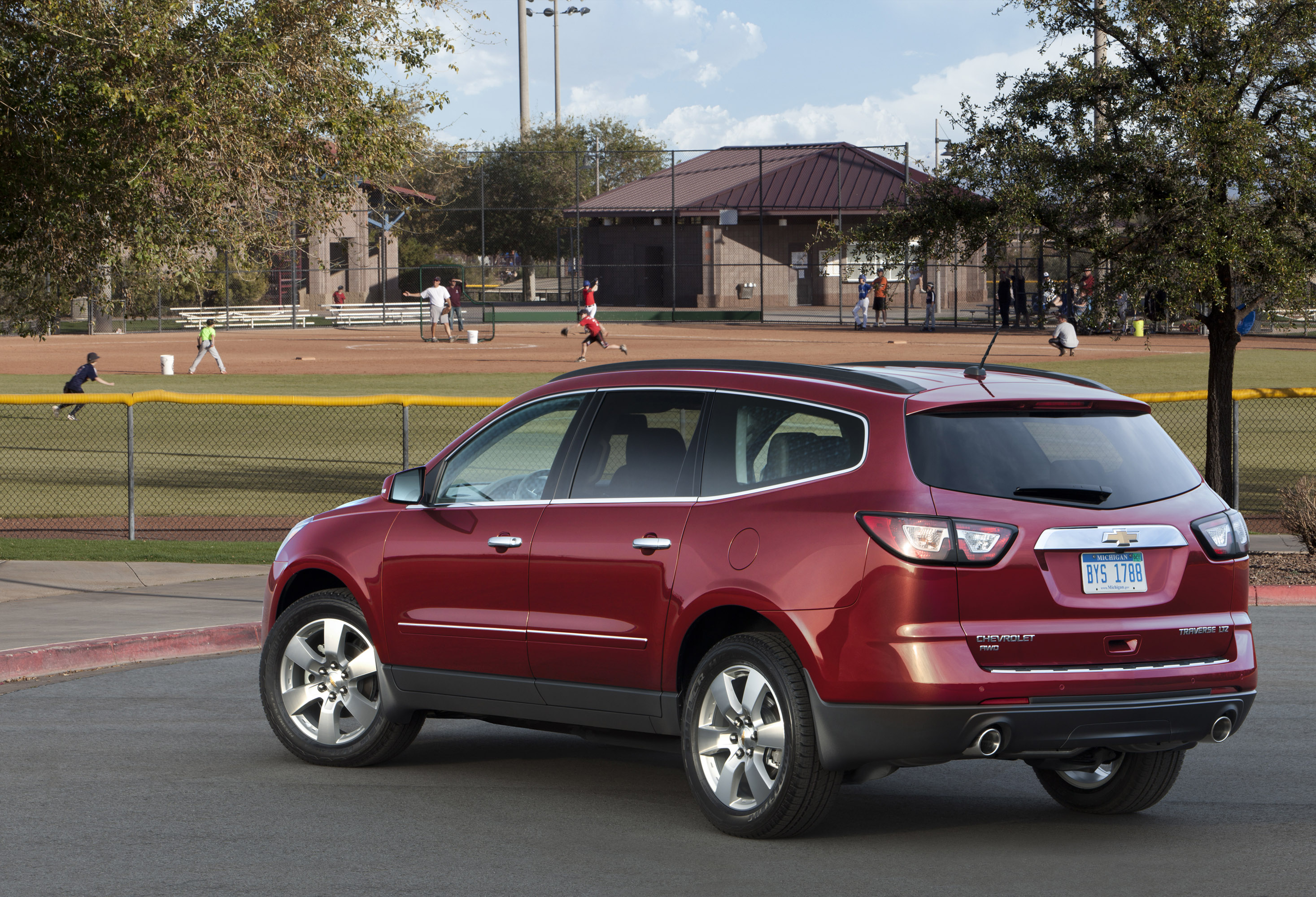traverse of review first expert chevrolet drive