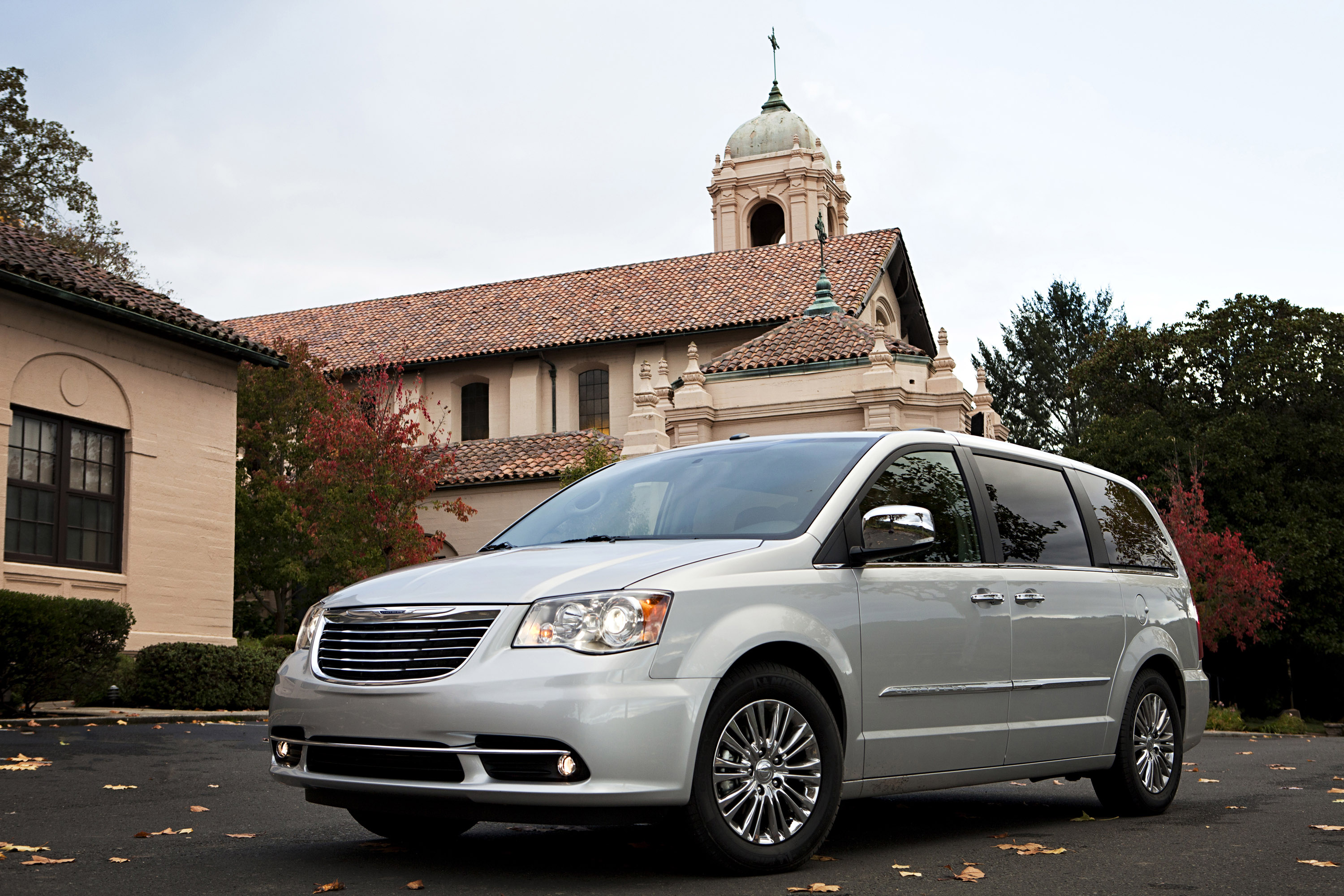 2013 chrysler town and country s picture 77467. Black Bedroom Furniture Sets. Home Design Ideas