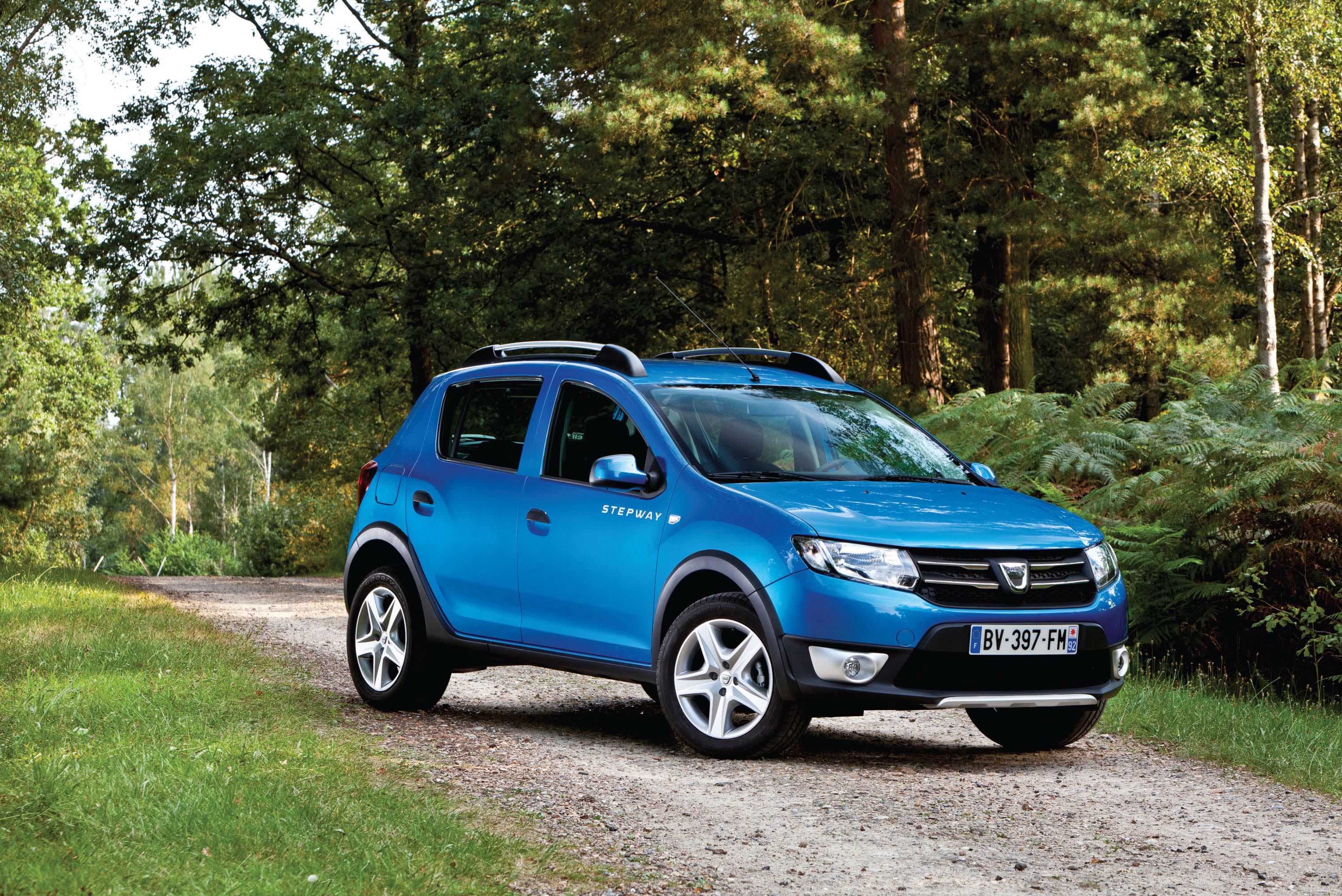2013 dacia sandero stepway uk price 7 995. Black Bedroom Furniture Sets. Home Design Ideas