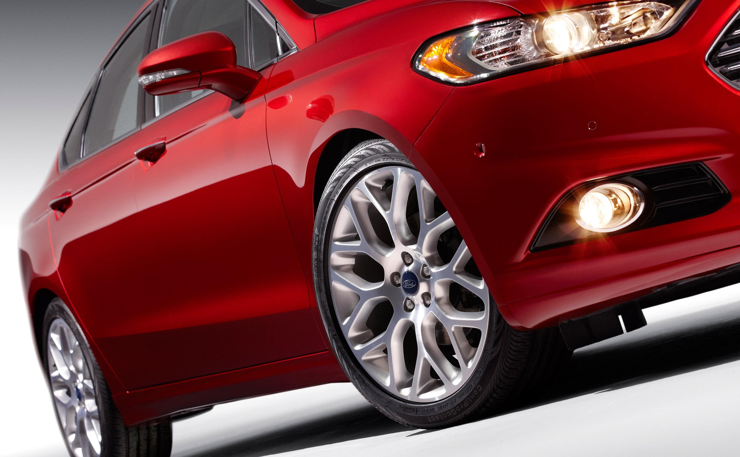 Ford Fusion Titanium - 2013.