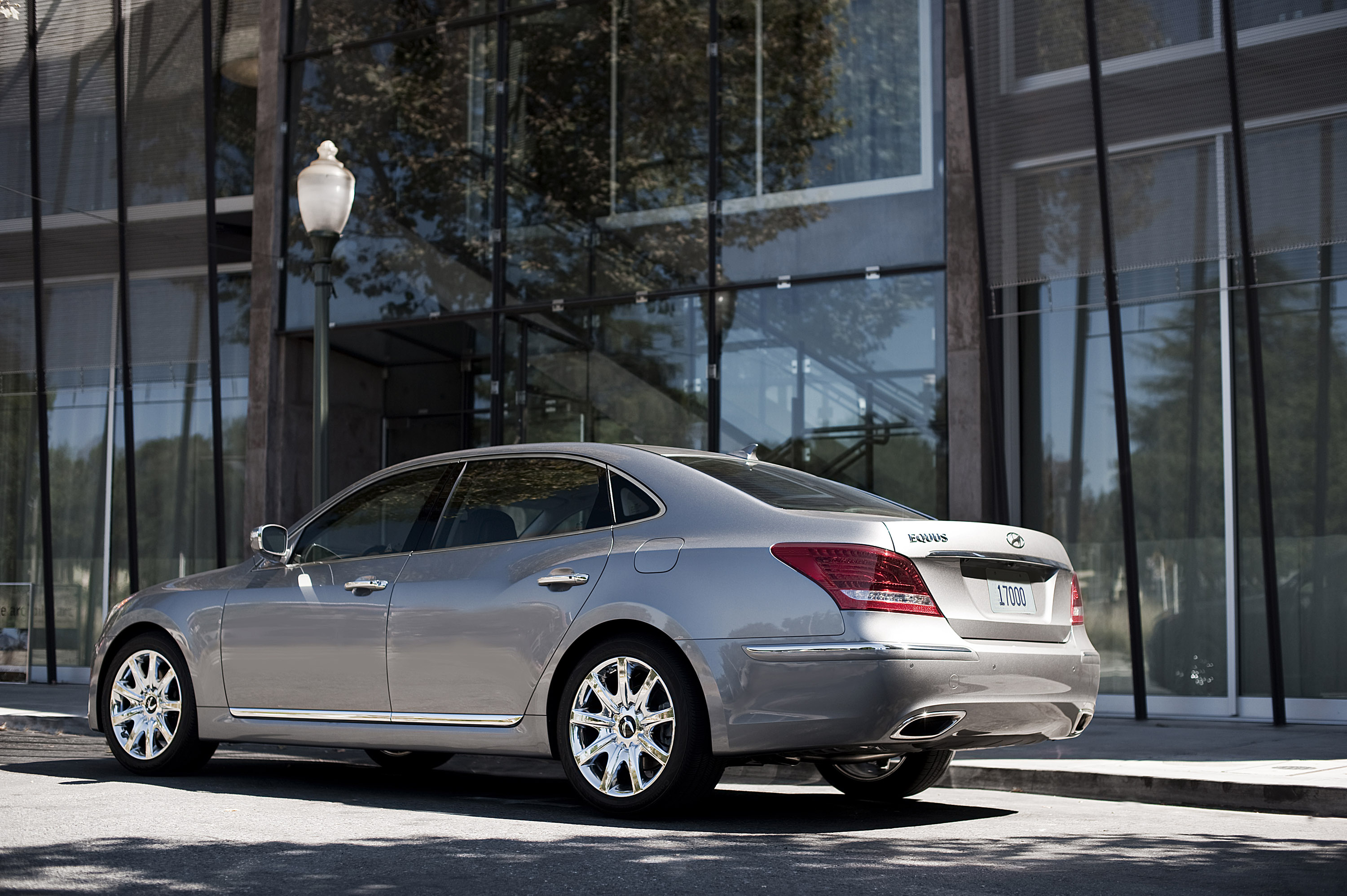 2010 toyota camry hybrid review car and driver