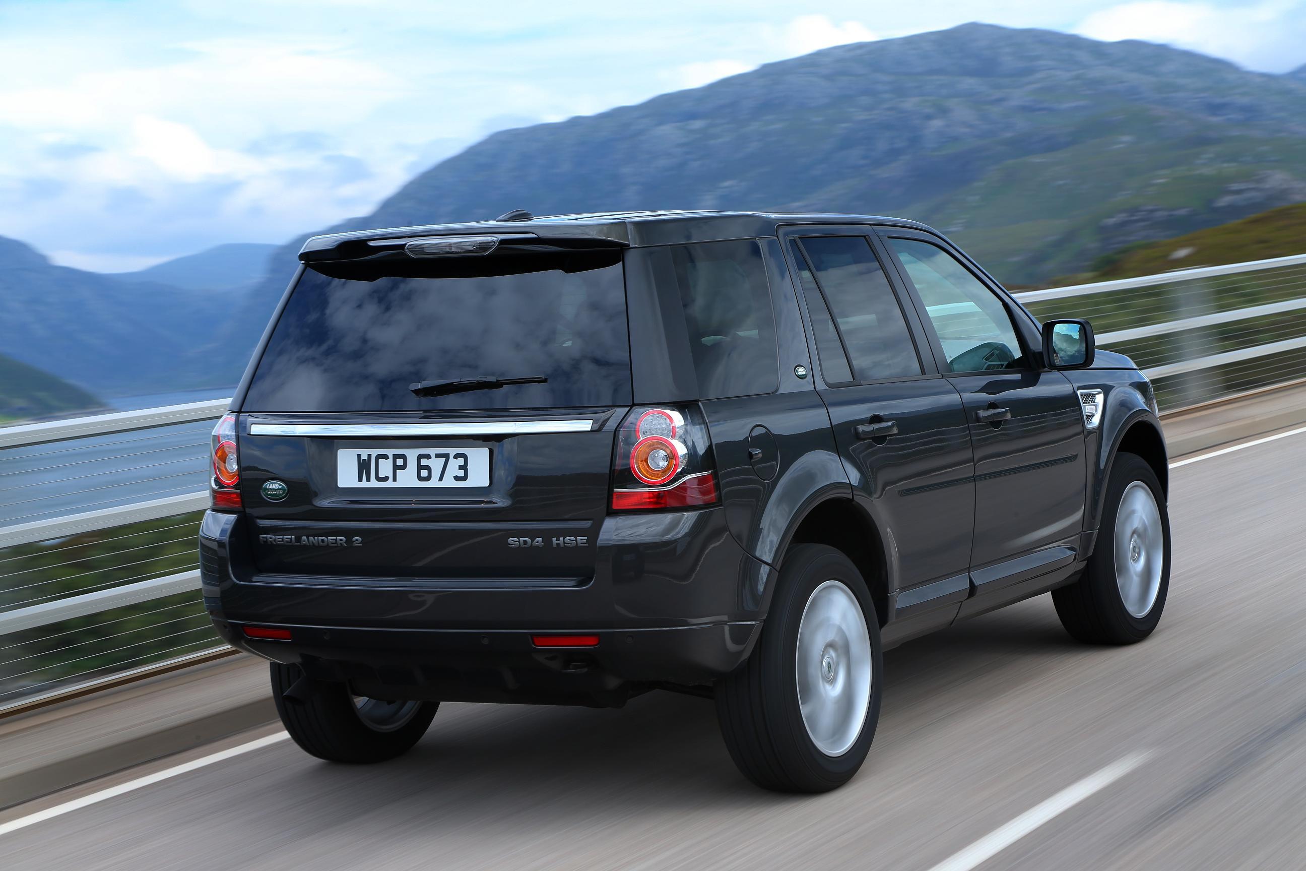 https://www.automobilesreview.com/gallery/2013-land-rover-freelander-2/2013-land-rover-freelander-2-08.jpg