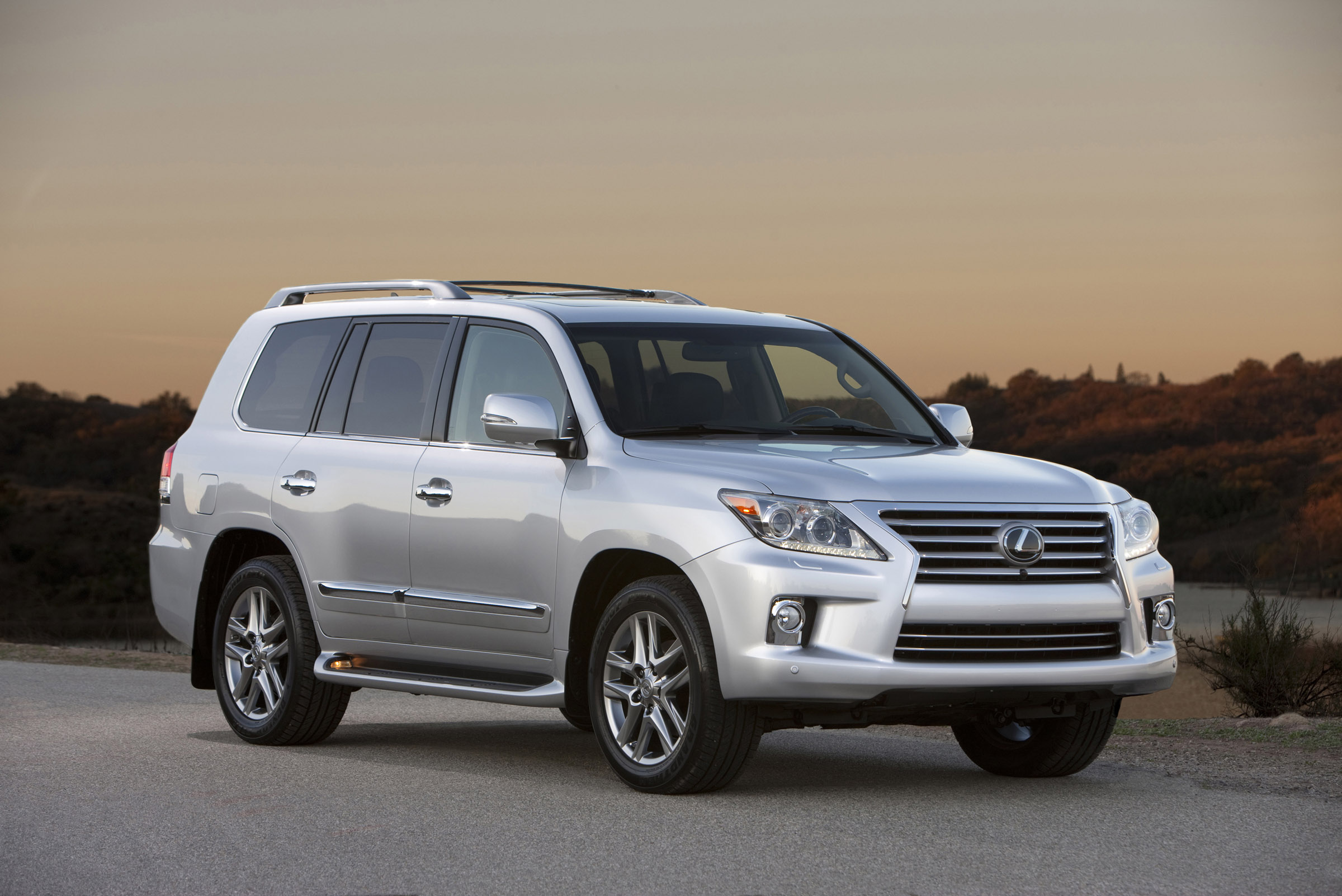 Lexus Lx 570 >> 2013 Lexus LX 570 SUV With New Look