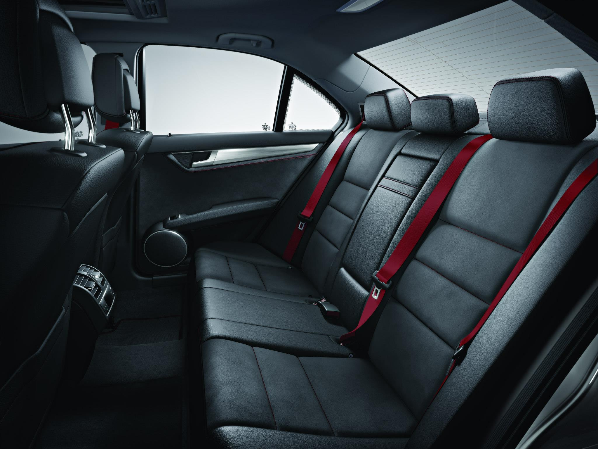 Teaser 2013 mercedes benz c class amg sports package for Interieur mercedes classe a
