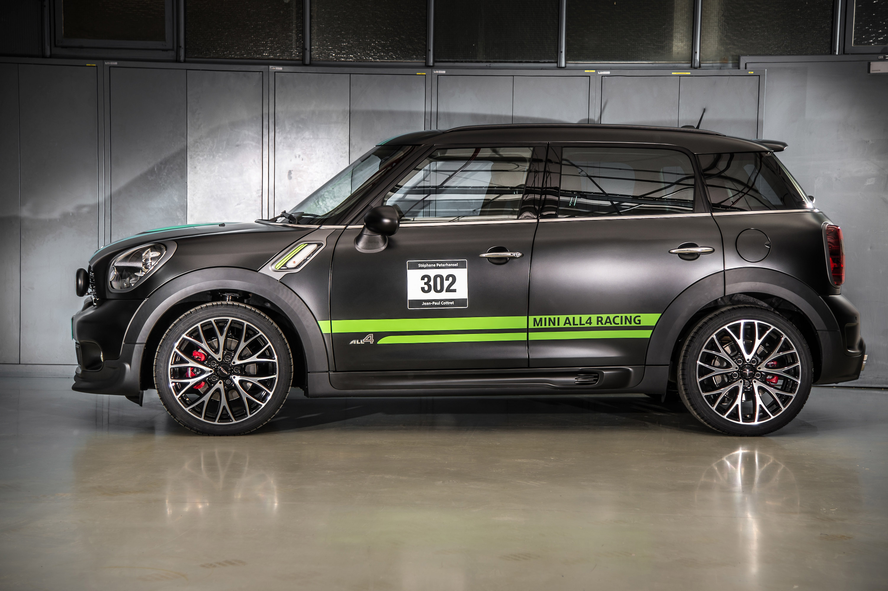 exclusive 2013 mini john cooper works countryman all4 dakar. Black Bedroom Furniture Sets. Home Design Ideas