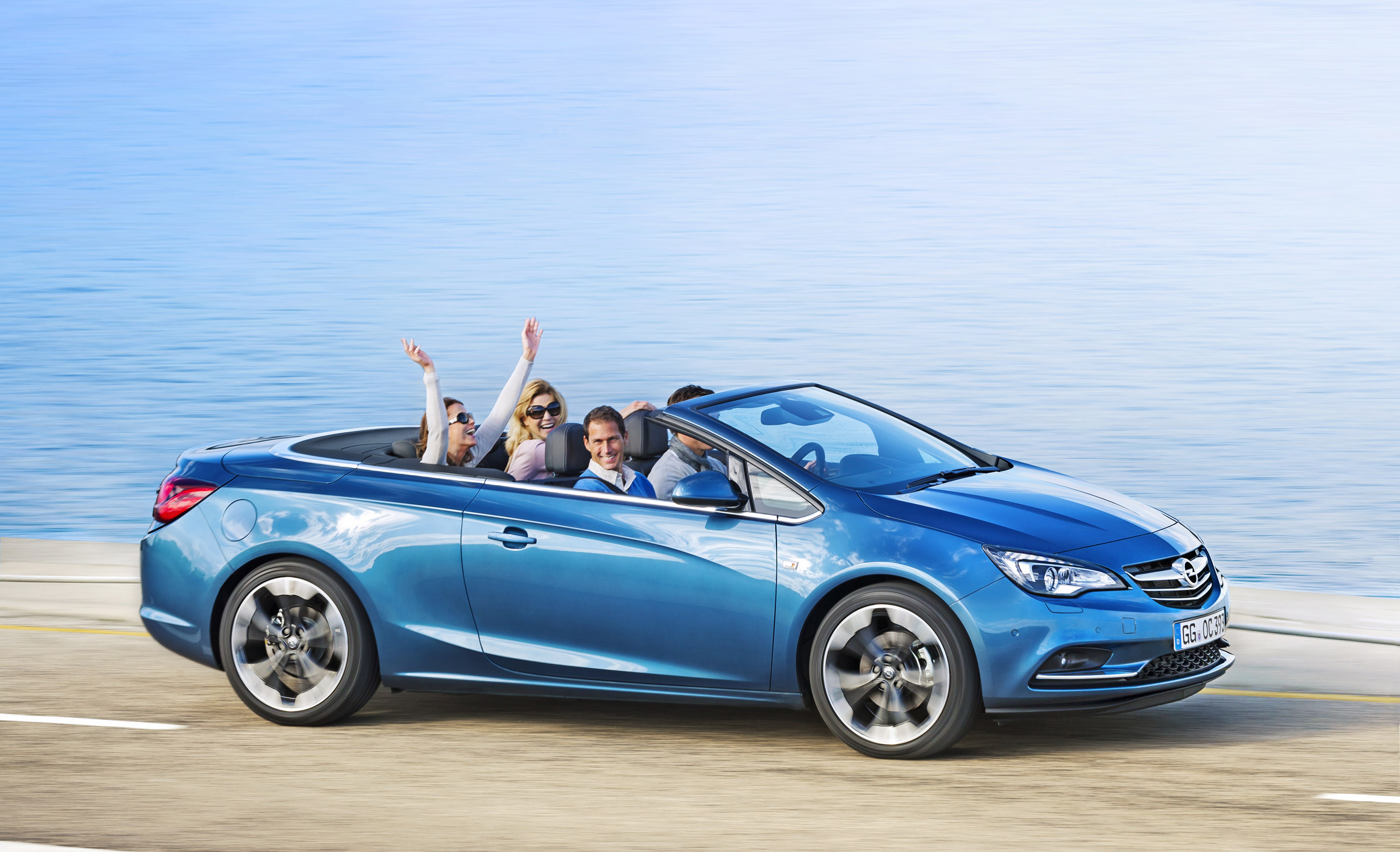 2013 opel cascada glamorous mid size convertible. Black Bedroom Furniture Sets. Home Design Ideas