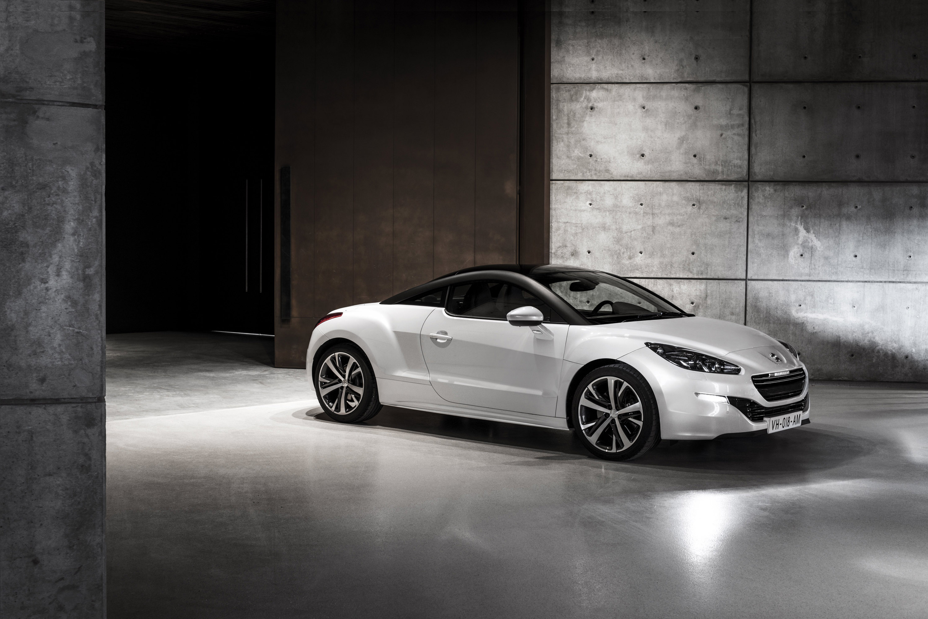 2013 Peugeot RCZ Sport and GT With Official Launch