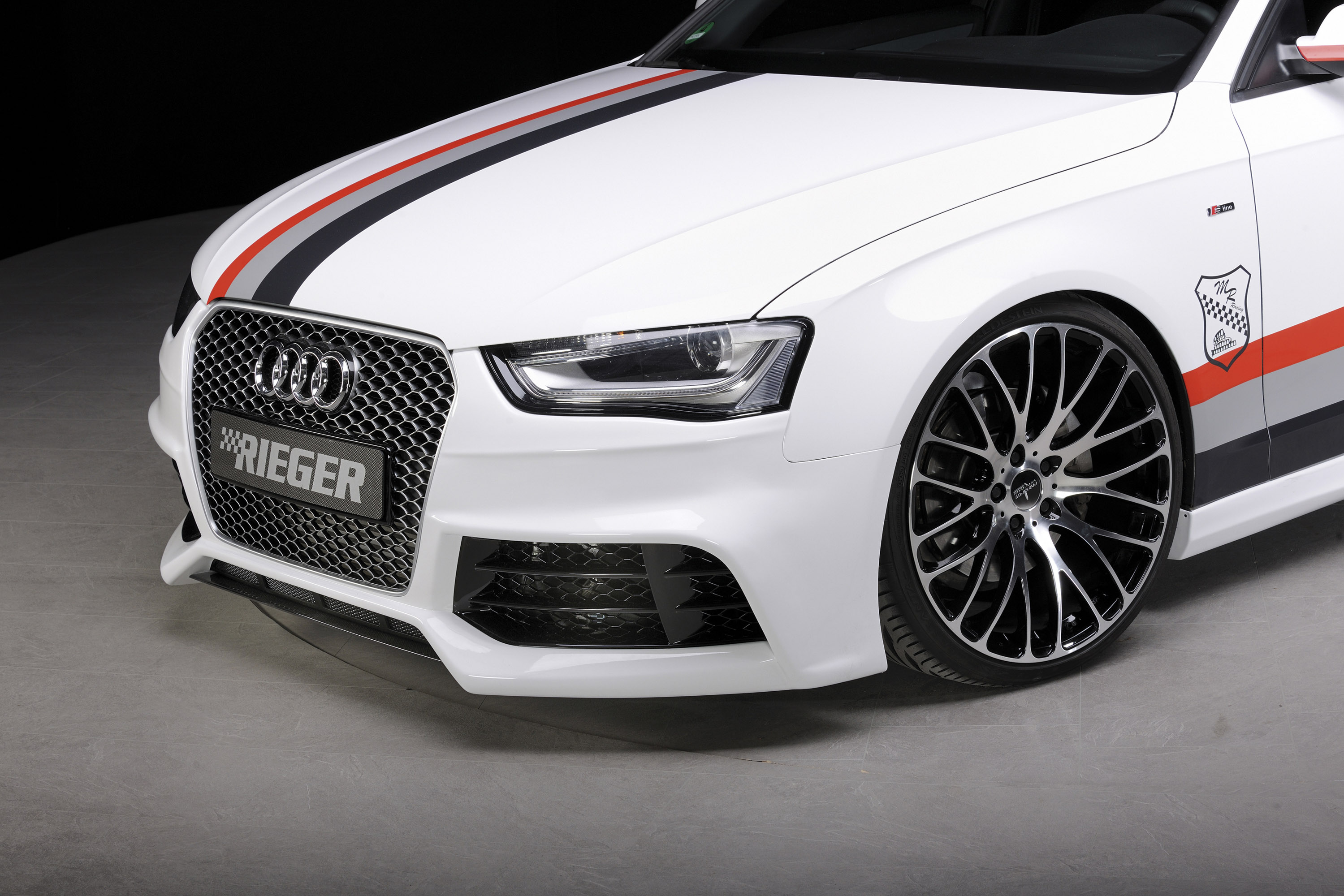 2013 audi a4 b8 facelift tuned by rieger. Black Bedroom Furniture Sets. Home Design Ideas