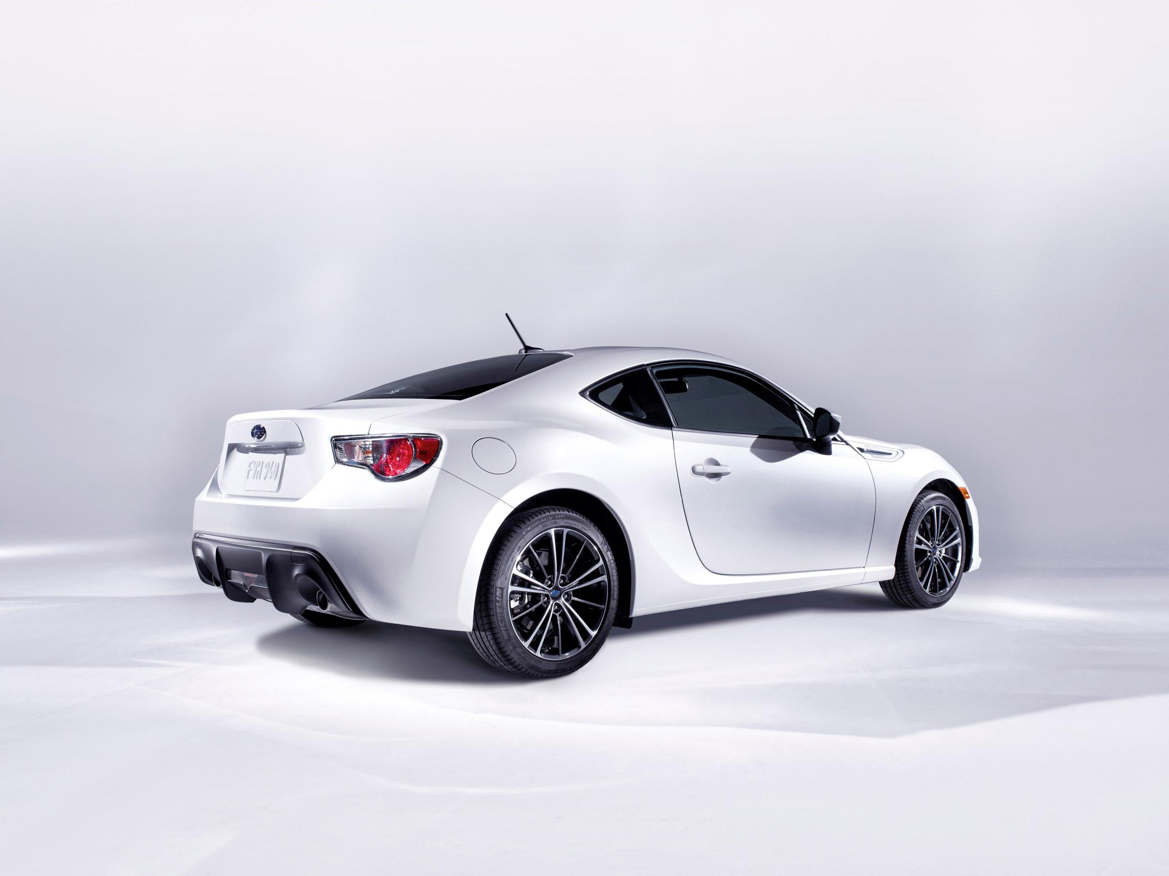 2013 Subaru Brz Sports Car Comes Offering Unique Driving