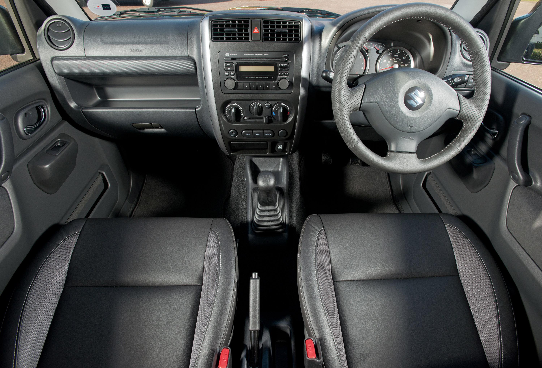 2013 Suzuki Jimny - New Face and Better Equipment