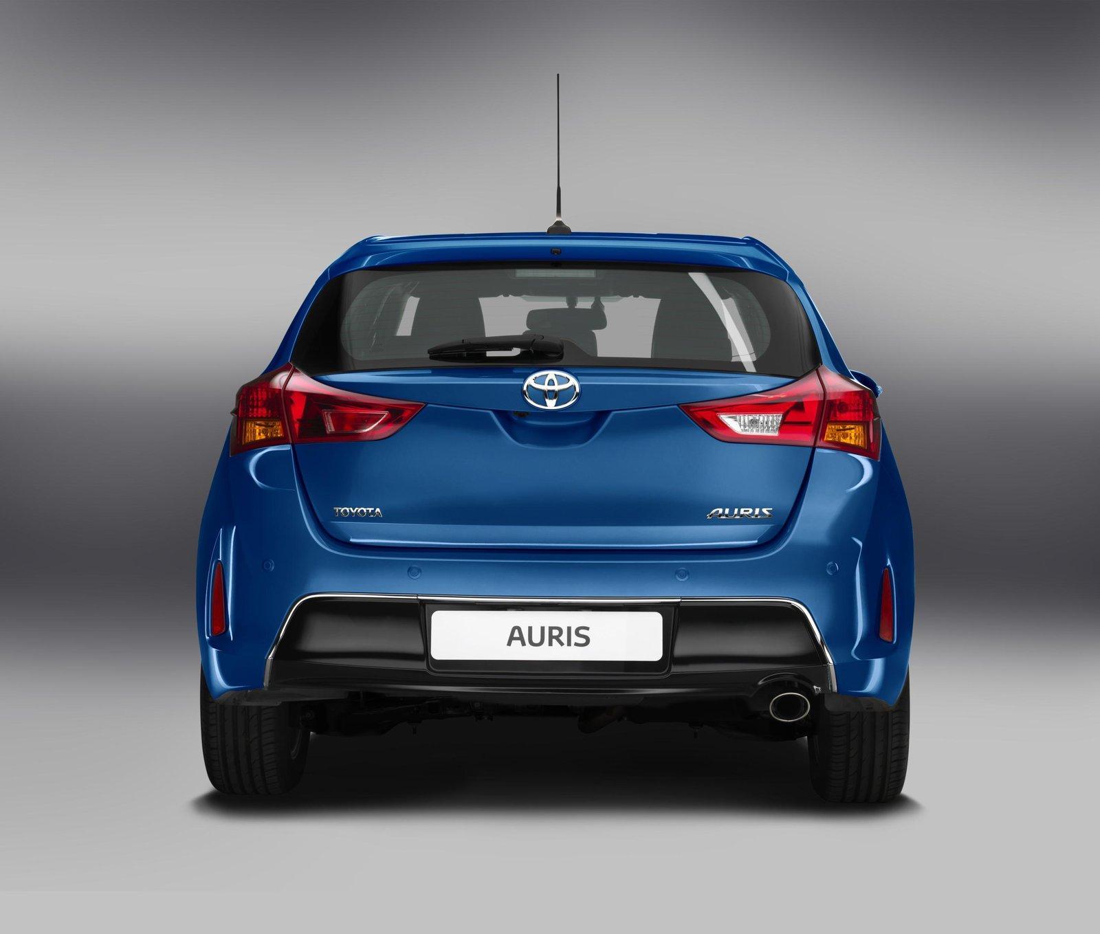 ... 2013 Toyota Auris, ...