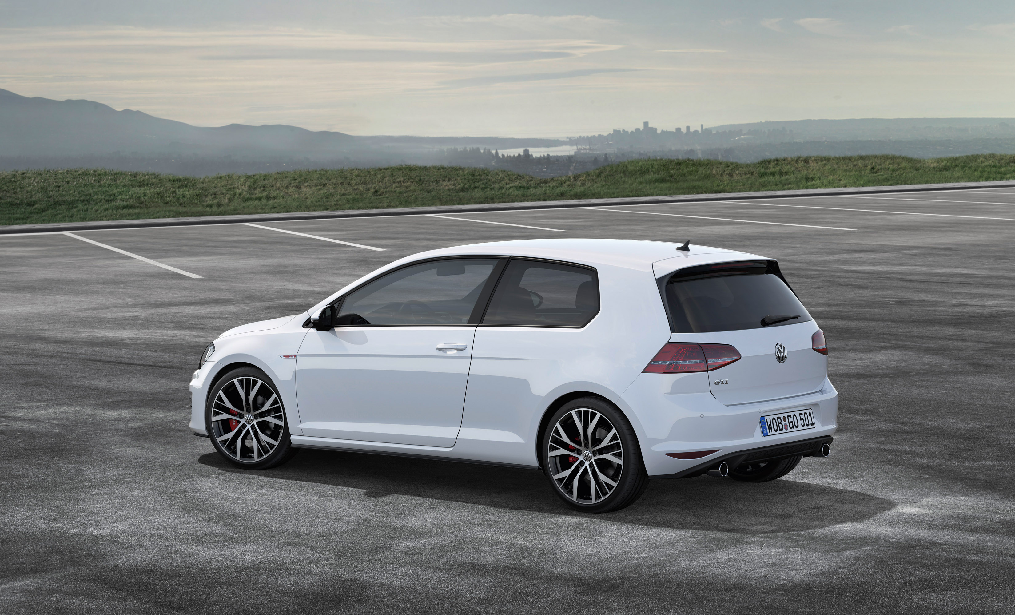 2013 volkswagen golf gti performance 230hp and 350nm. Black Bedroom Furniture Sets. Home Design Ideas