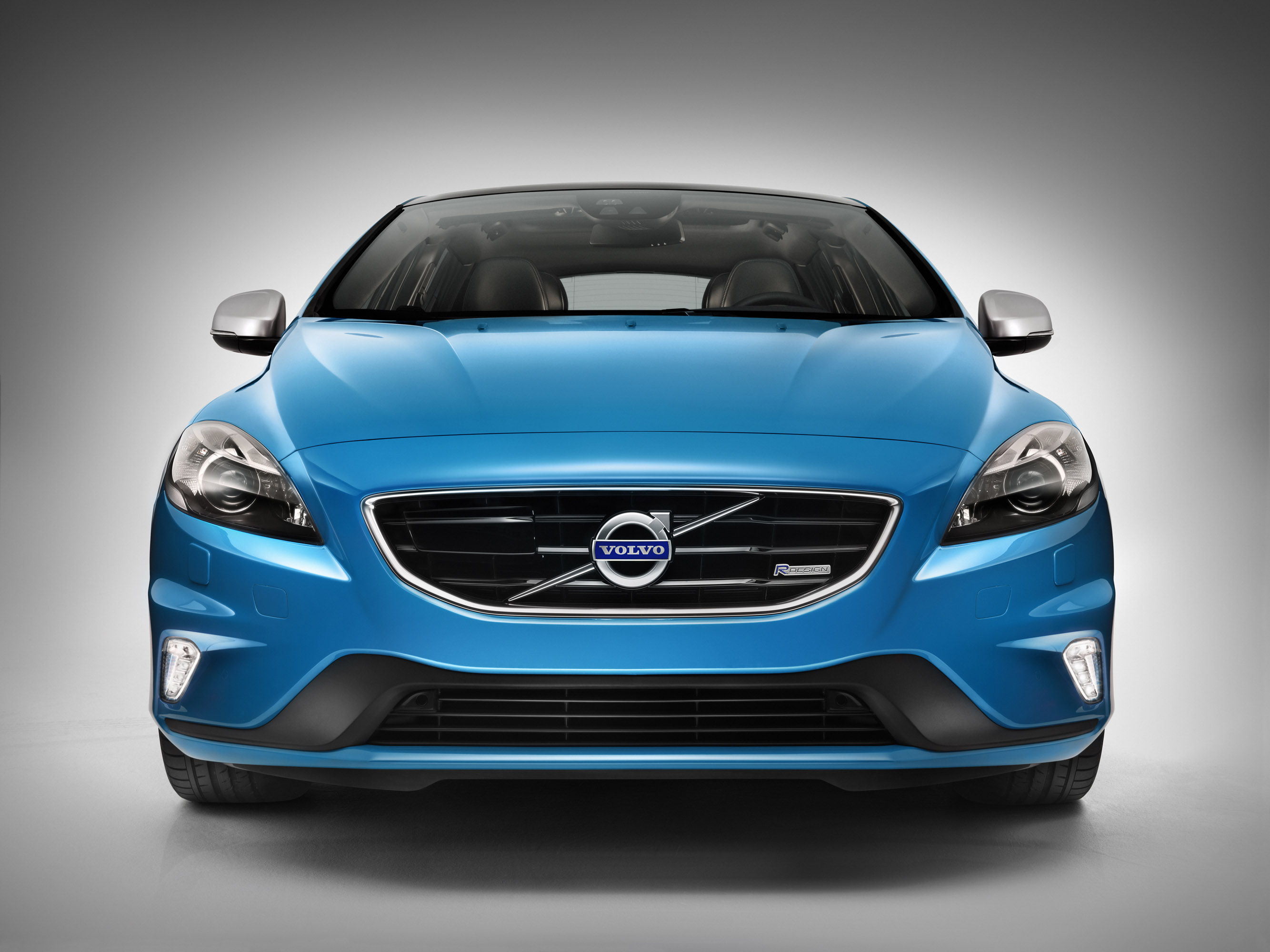 2013 volvo v40 r design and cross country pricing 22 295 and 22 595. Black Bedroom Furniture Sets. Home Design Ideas