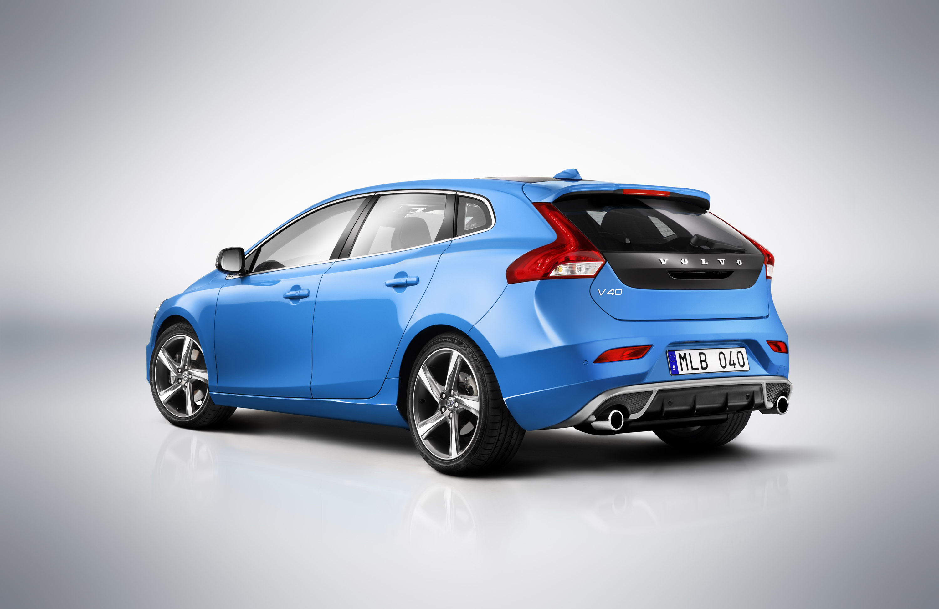2013 volvo v40 r design and cross country pricing. Black Bedroom Furniture Sets. Home Design Ideas