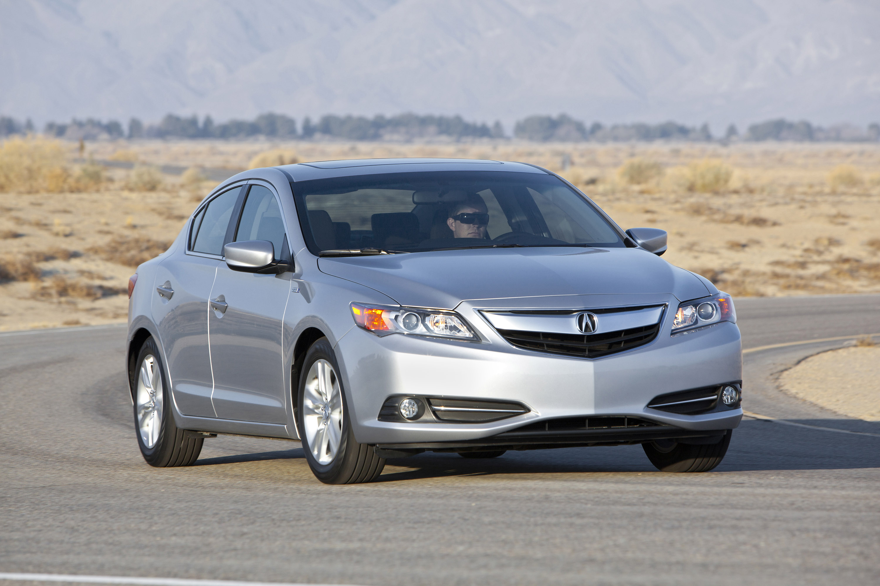 2014 acura ilx hybrid goes on sale today. Black Bedroom Furniture Sets. Home Design Ideas