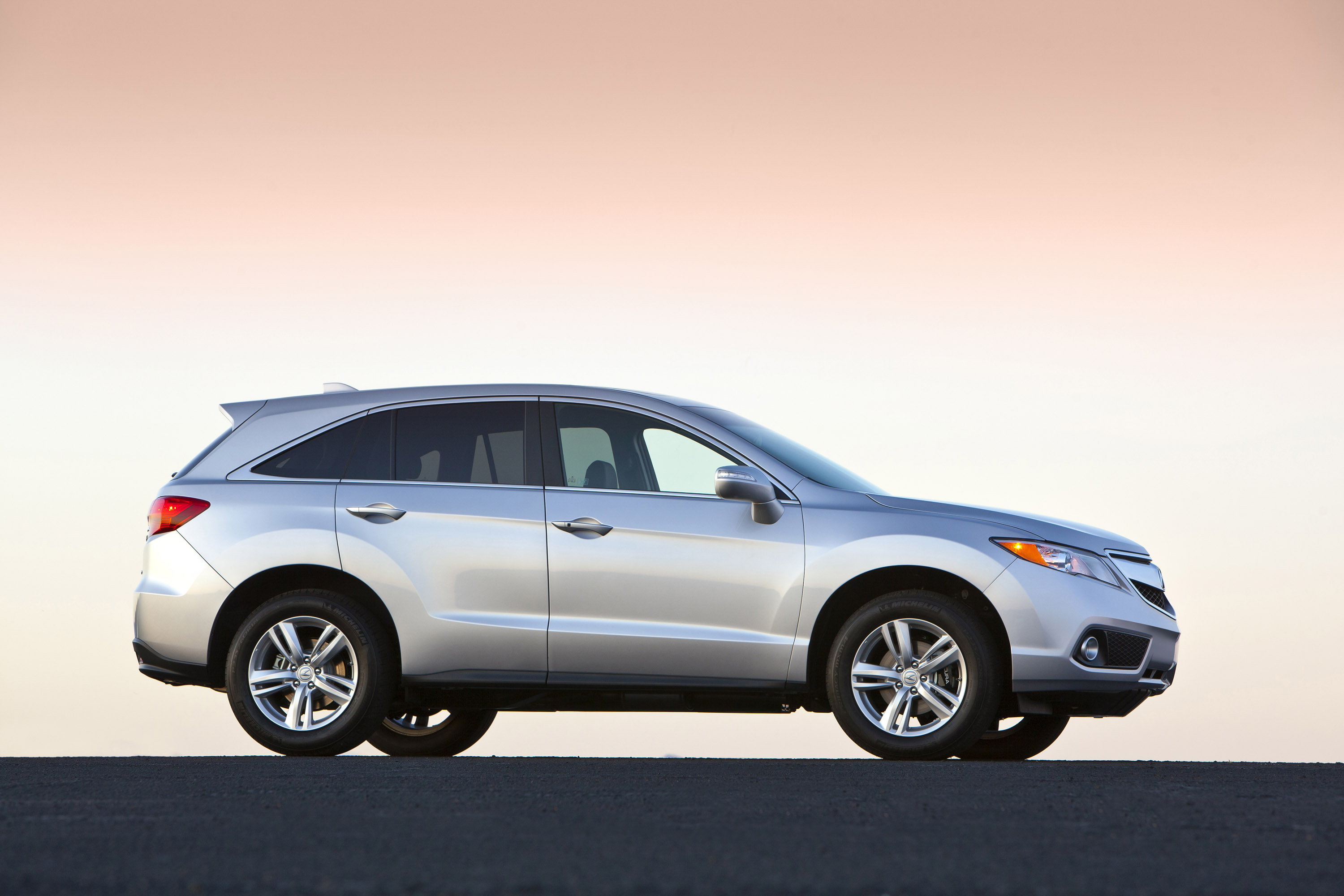 Research 2014                   ACURA RDX pictures, prices and reviews