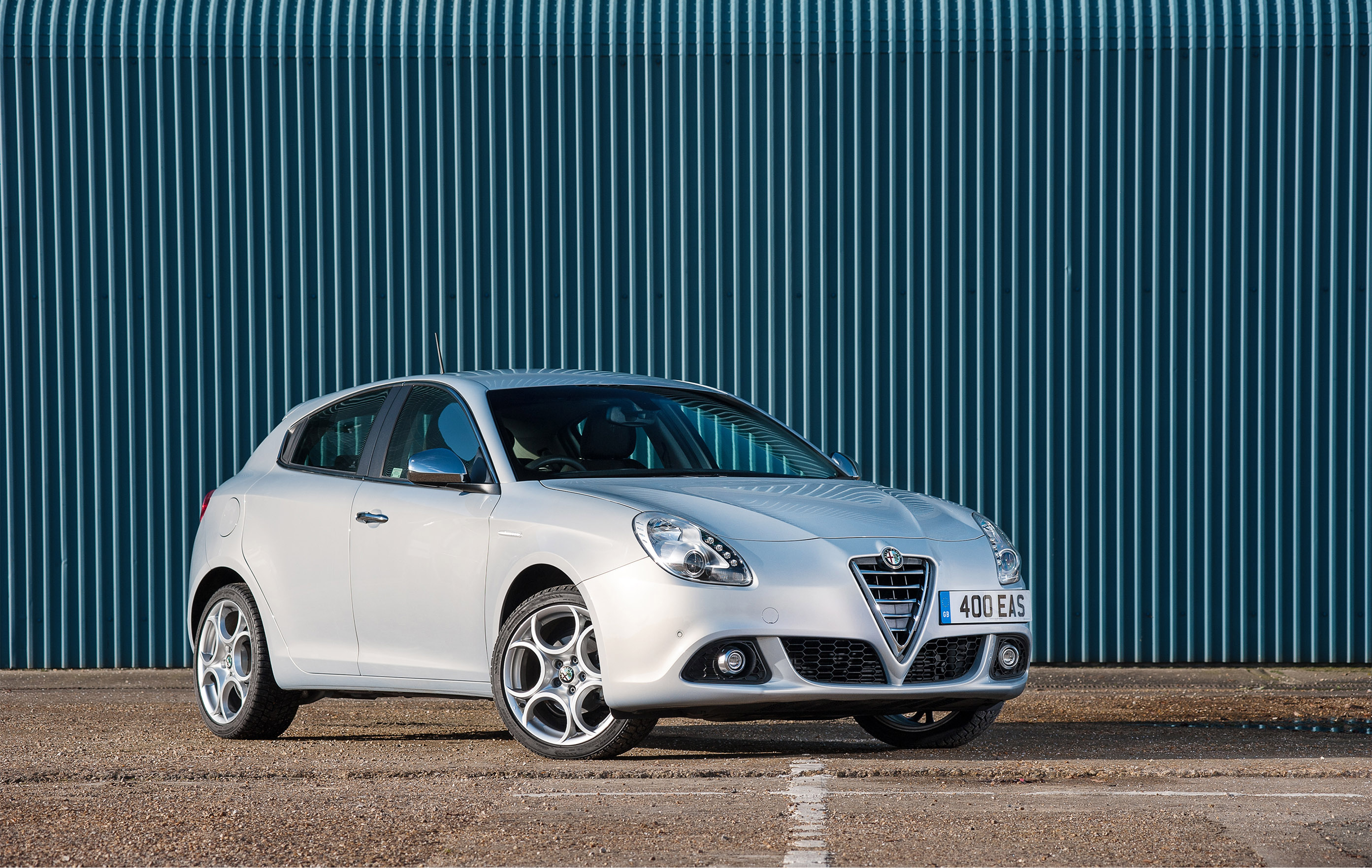 alfa romeo releases giulietta business edition. Black Bedroom Furniture Sets. Home Design Ideas