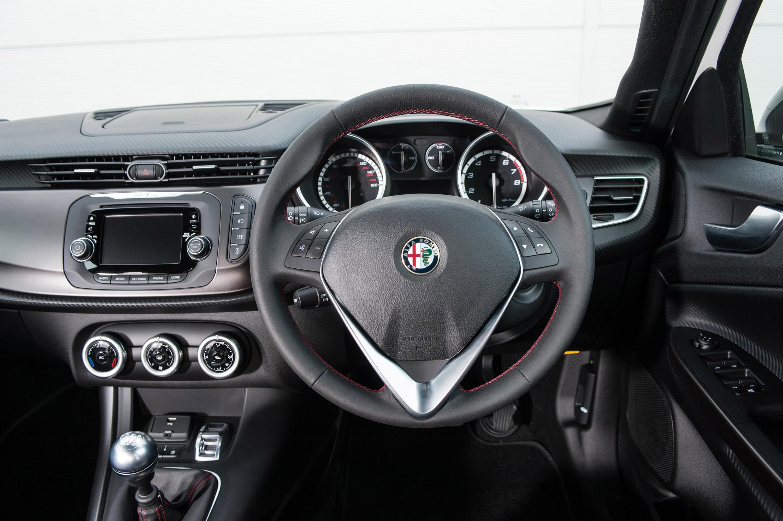 Alfa romeo giulietta qv 2010 review 14