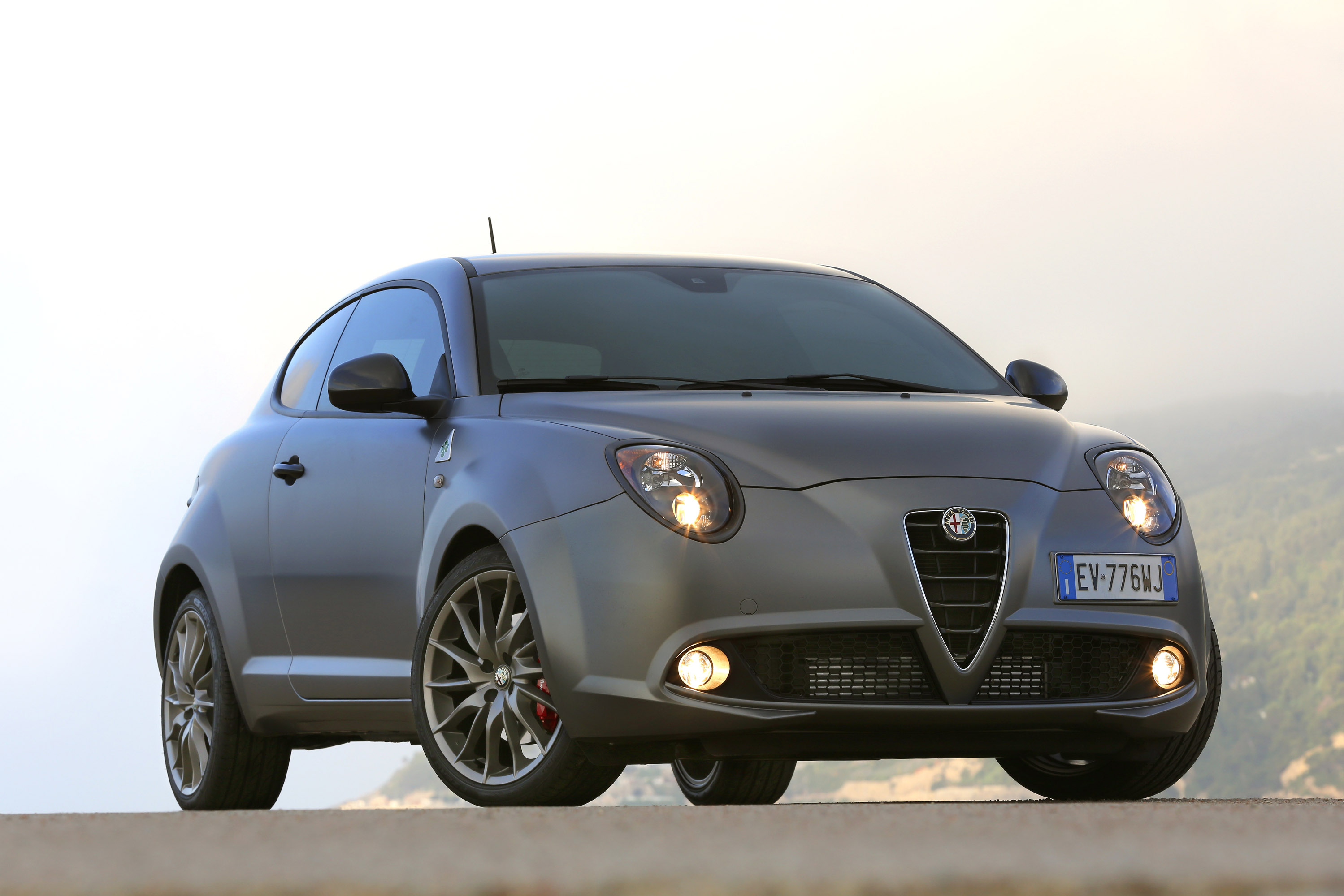 alfa romeo mito and giulietta quadrifoglio verde debut at goodwood. Black Bedroom Furniture Sets. Home Design Ideas