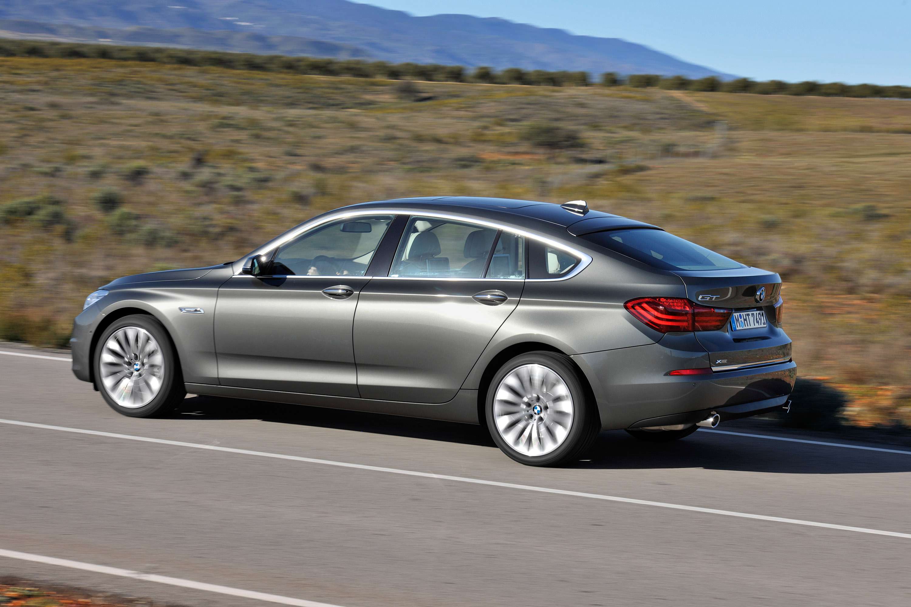 Bmw 5 Series Sedan And Gran Turismo Specifications And Pricing