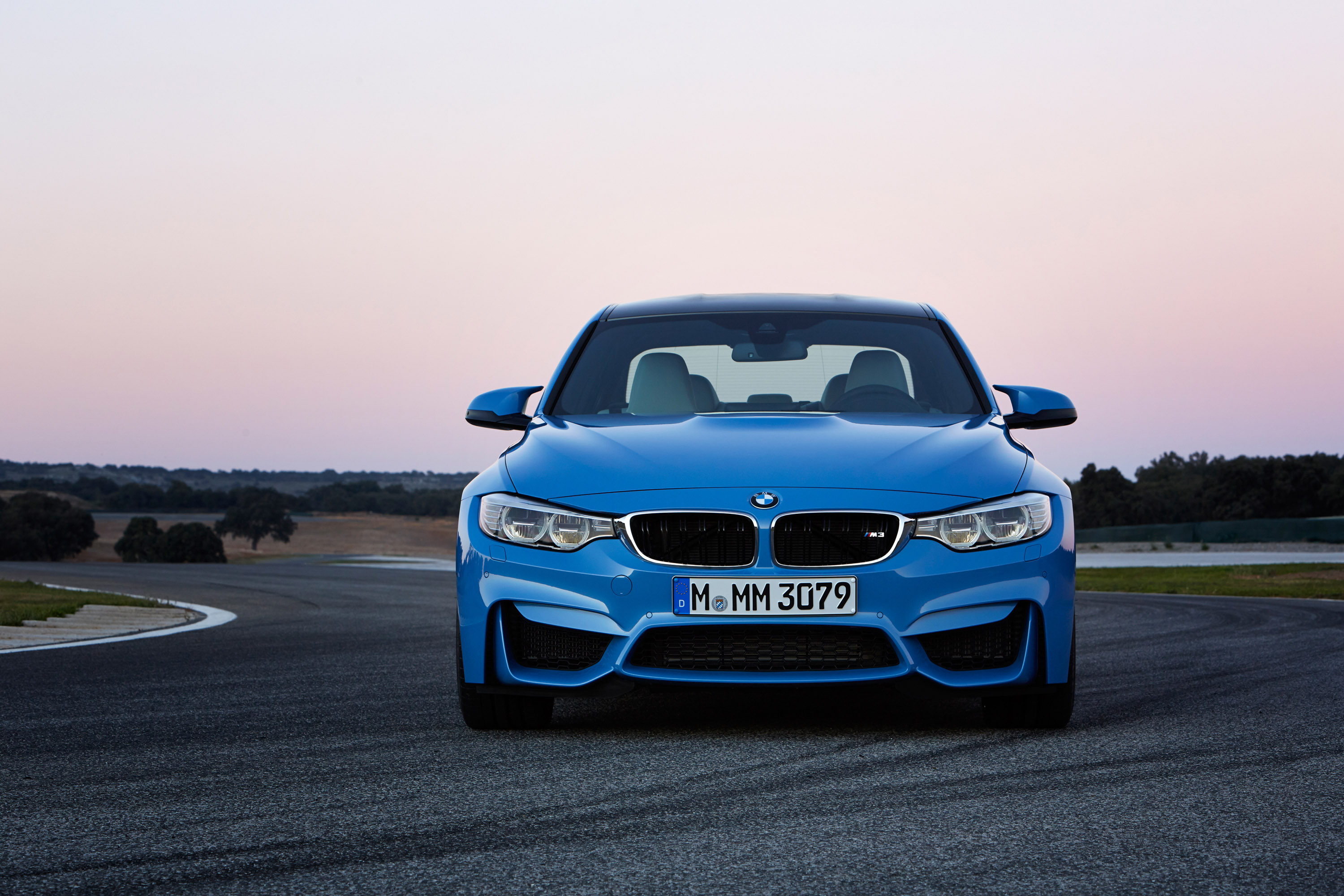 M4 Sport Bmw >> 2014 BMW F80 M3 Sedan vs E30 M3 DTM - Hockenheim [video]
