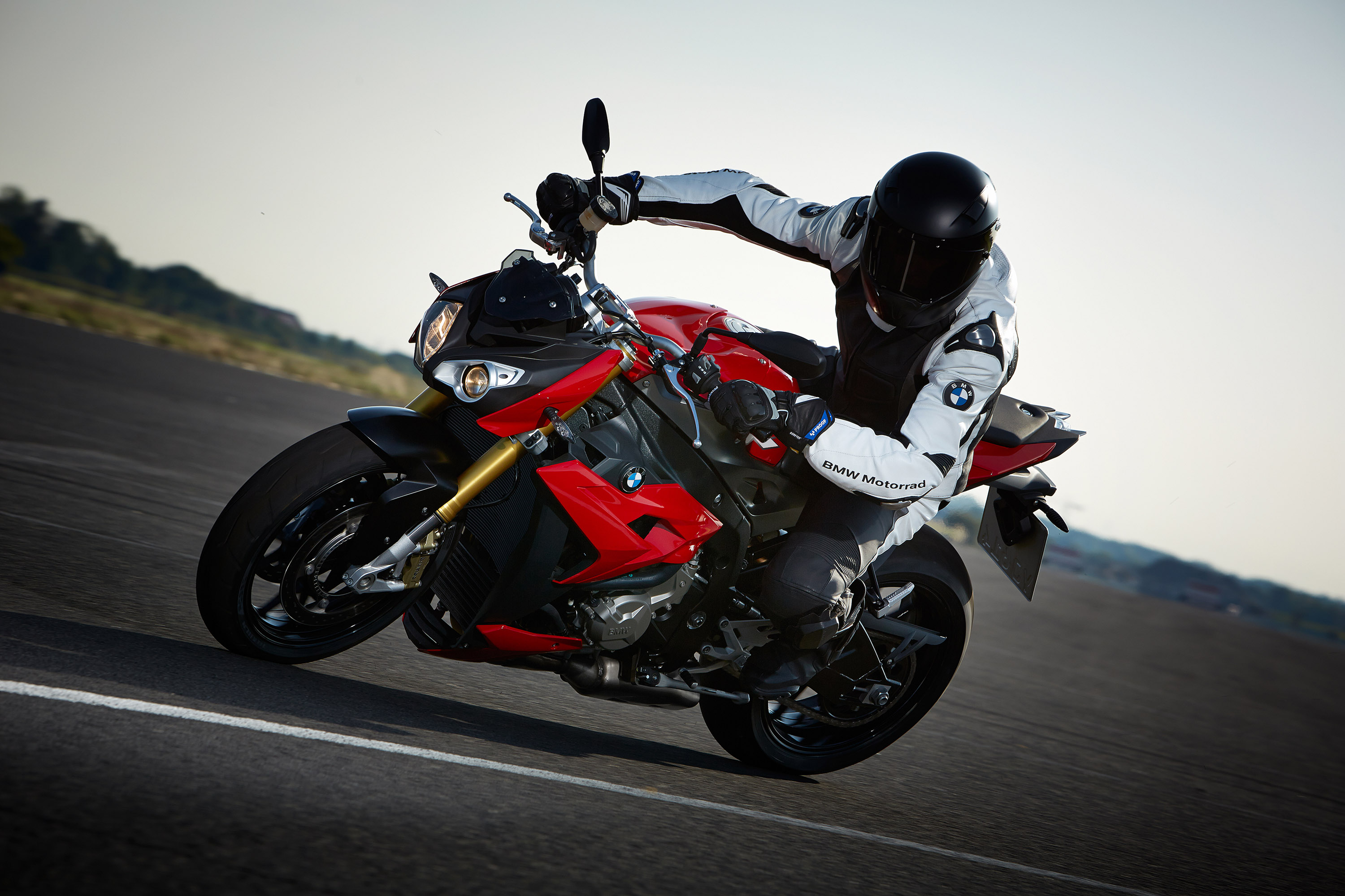 2014 bmw s 1000 r 160hp and 112nm. Black Bedroom Furniture Sets. Home Design Ideas