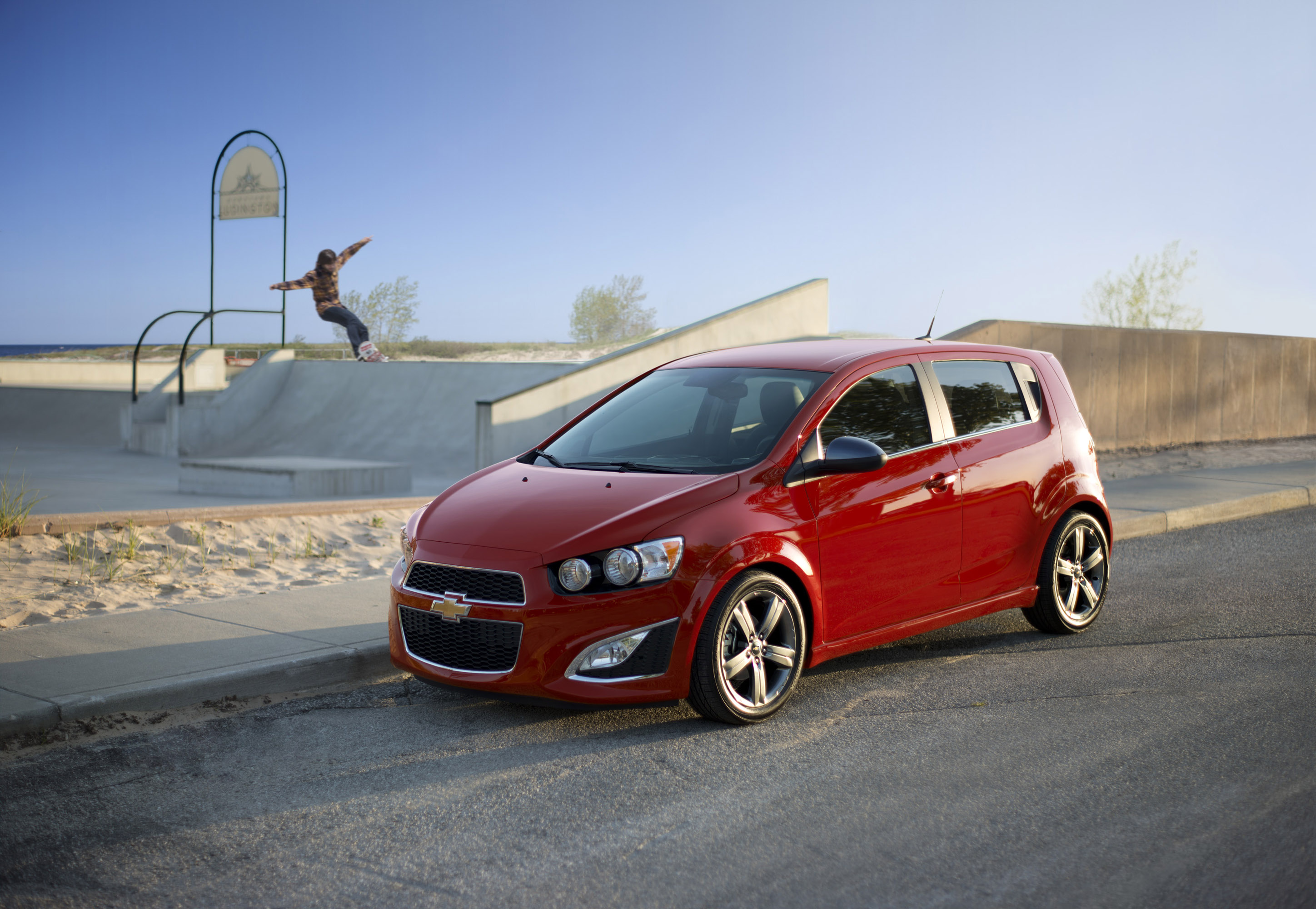 2014 chevrolet sonic rs added to lineup. Black Bedroom Furniture Sets. Home Design Ideas
