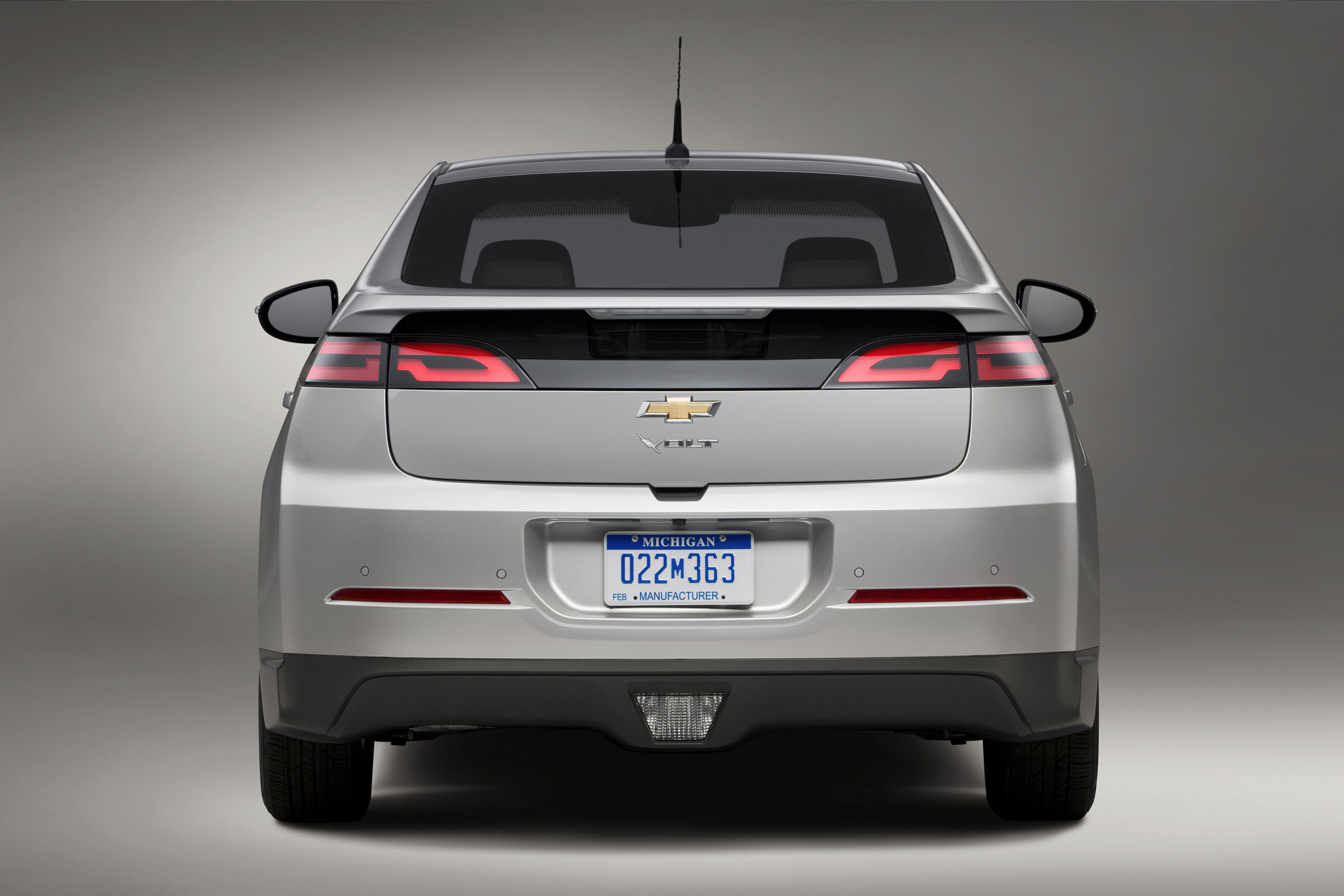 2014 Chevrolet Volt Goes On Sale