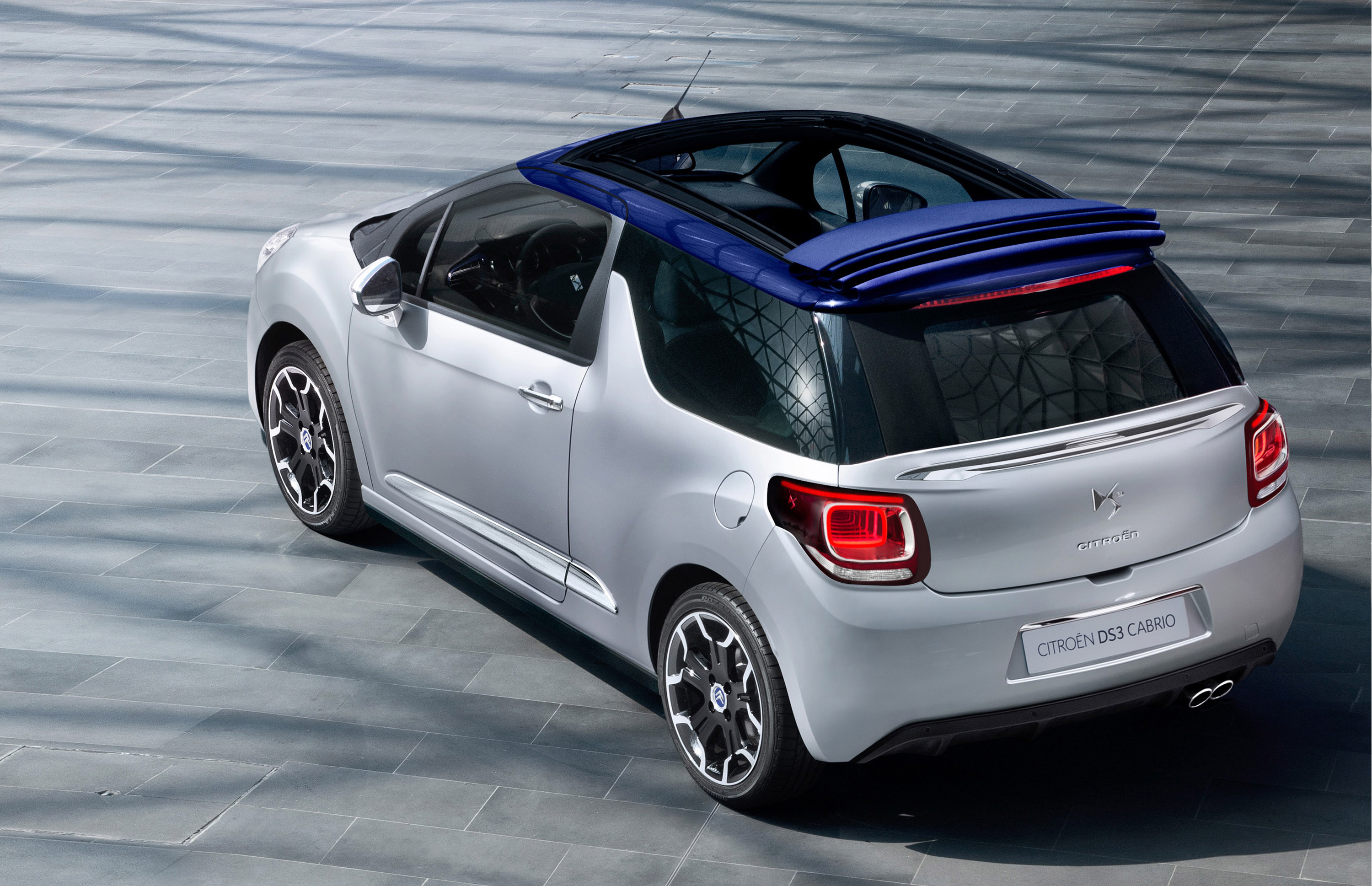 2014 citroen ds3 cabrio first pictures released video. Black Bedroom Furniture Sets. Home Design Ideas