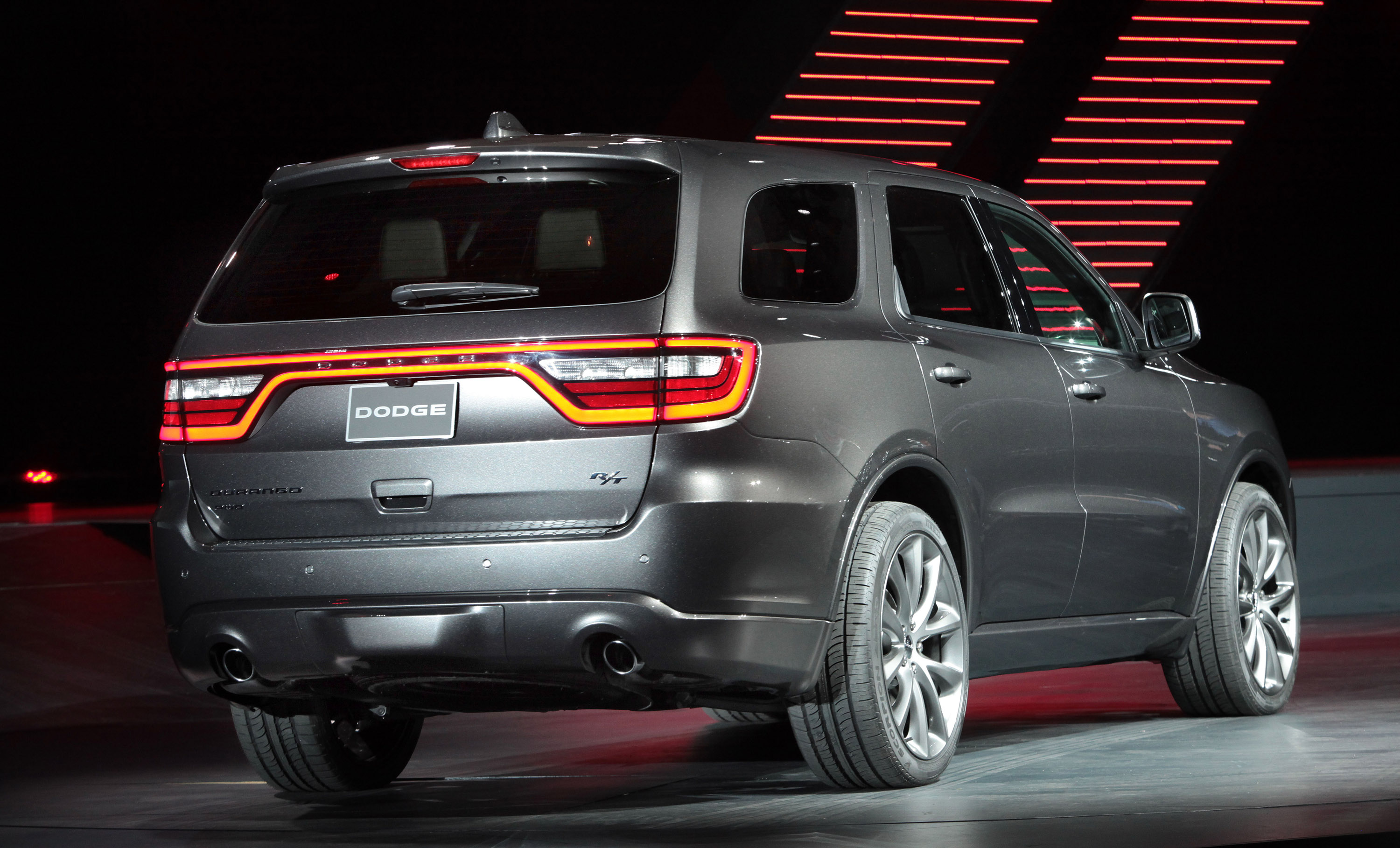 2014 dodge durango goes on sale. Black Bedroom Furniture Sets. Home Design Ideas
