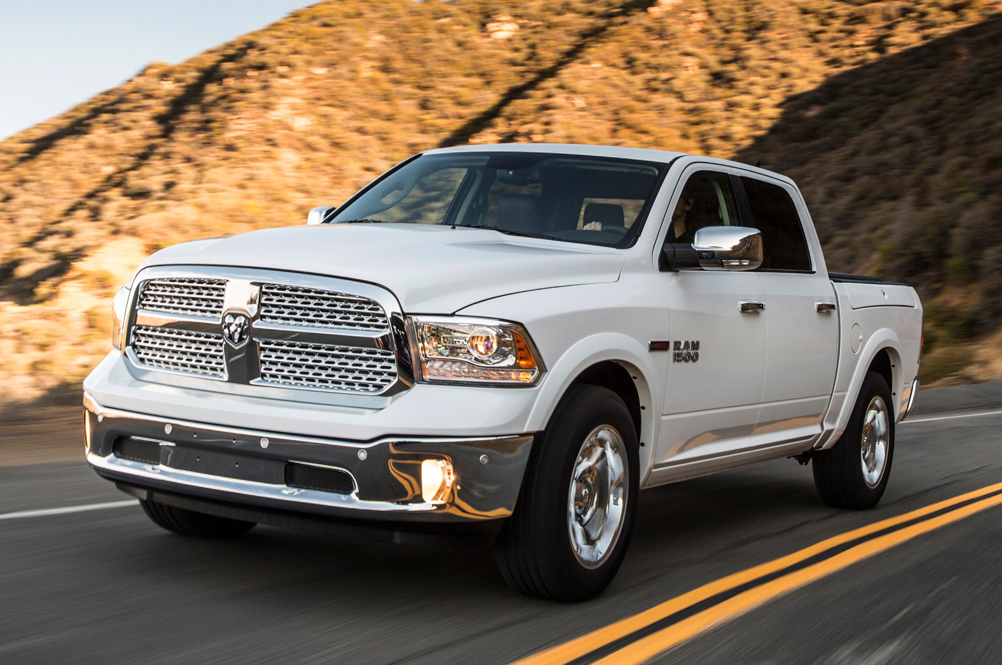 Ram 1500 Laramie >> 2014 Dodge Ram 1500 EcoDiesel Records Best Fuel Economy Rating