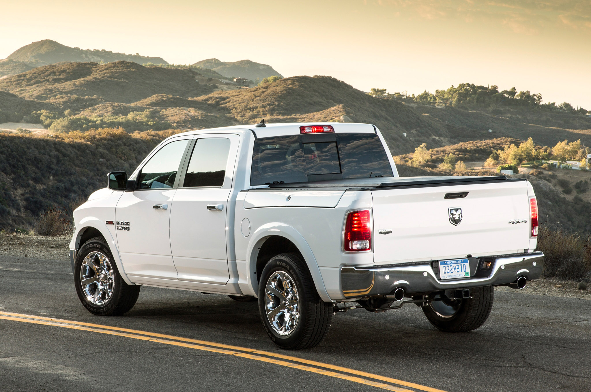 2014 dodge ram 1500 ecodiesel records best fuel economy rating. Black Bedroom Furniture Sets. Home Design Ideas