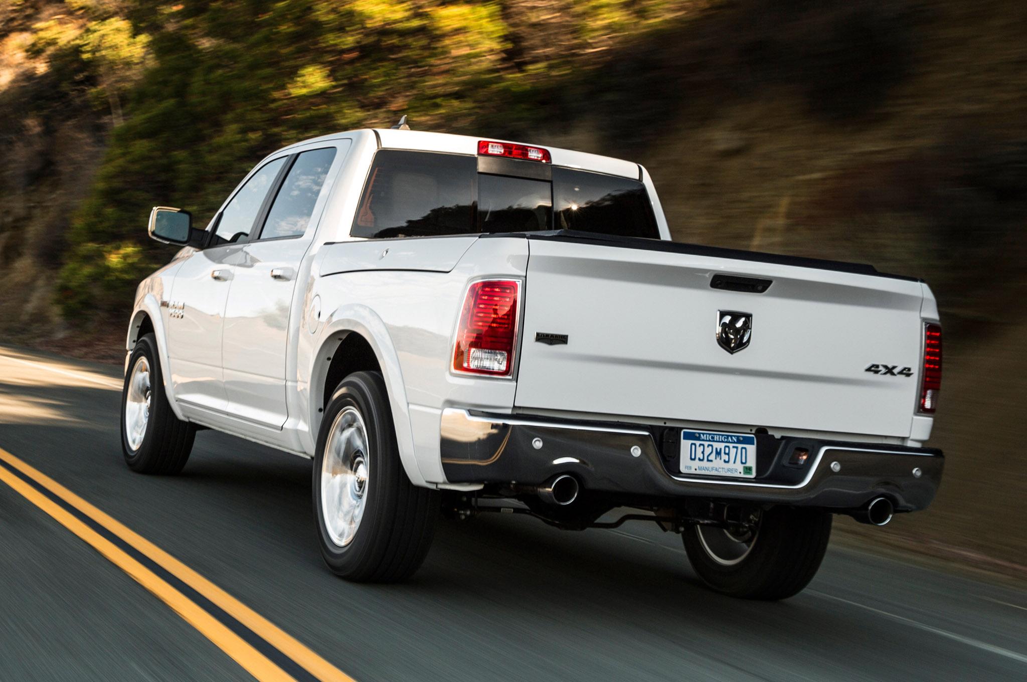 2014 dodge ram 1500 ecodiesel records best fuel economy rating. Black Bedroom Furniture Sets. Home Design Ideas