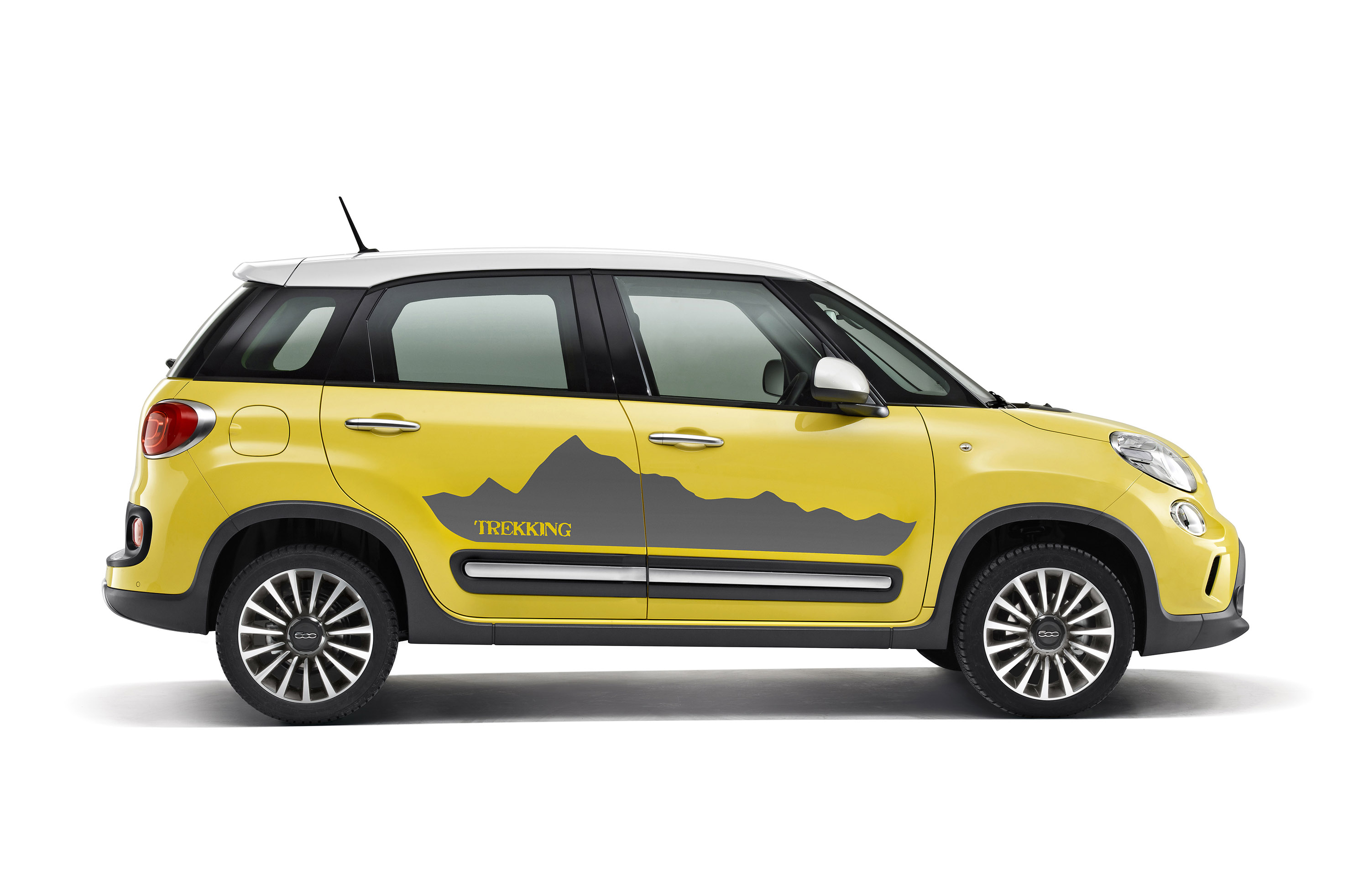 2014 fiat 500l trekking gets moparized. Black Bedroom Furniture Sets. Home Design Ideas
