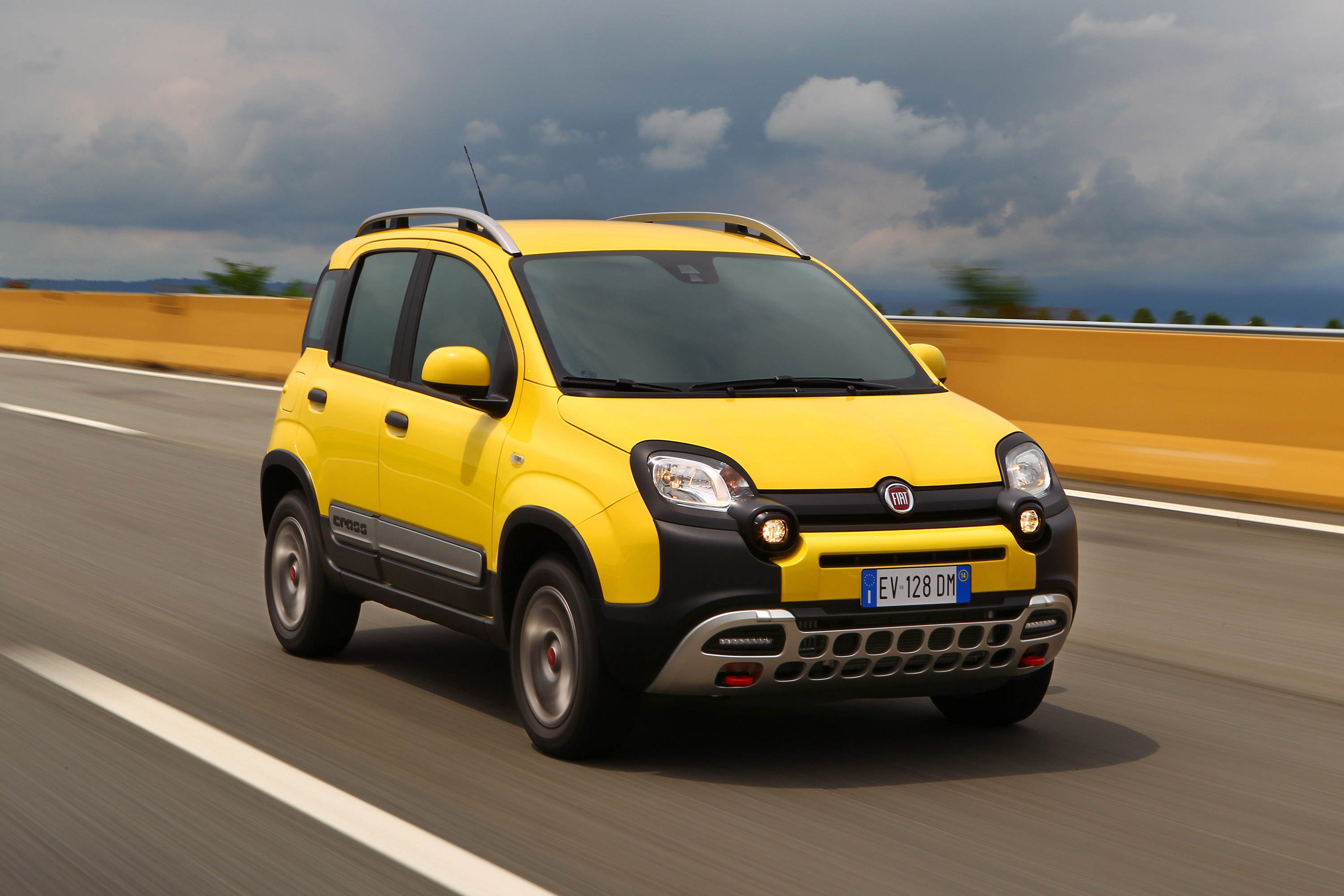 all new fiat panda cross 4x4. Black Bedroom Furniture Sets. Home Design Ideas
