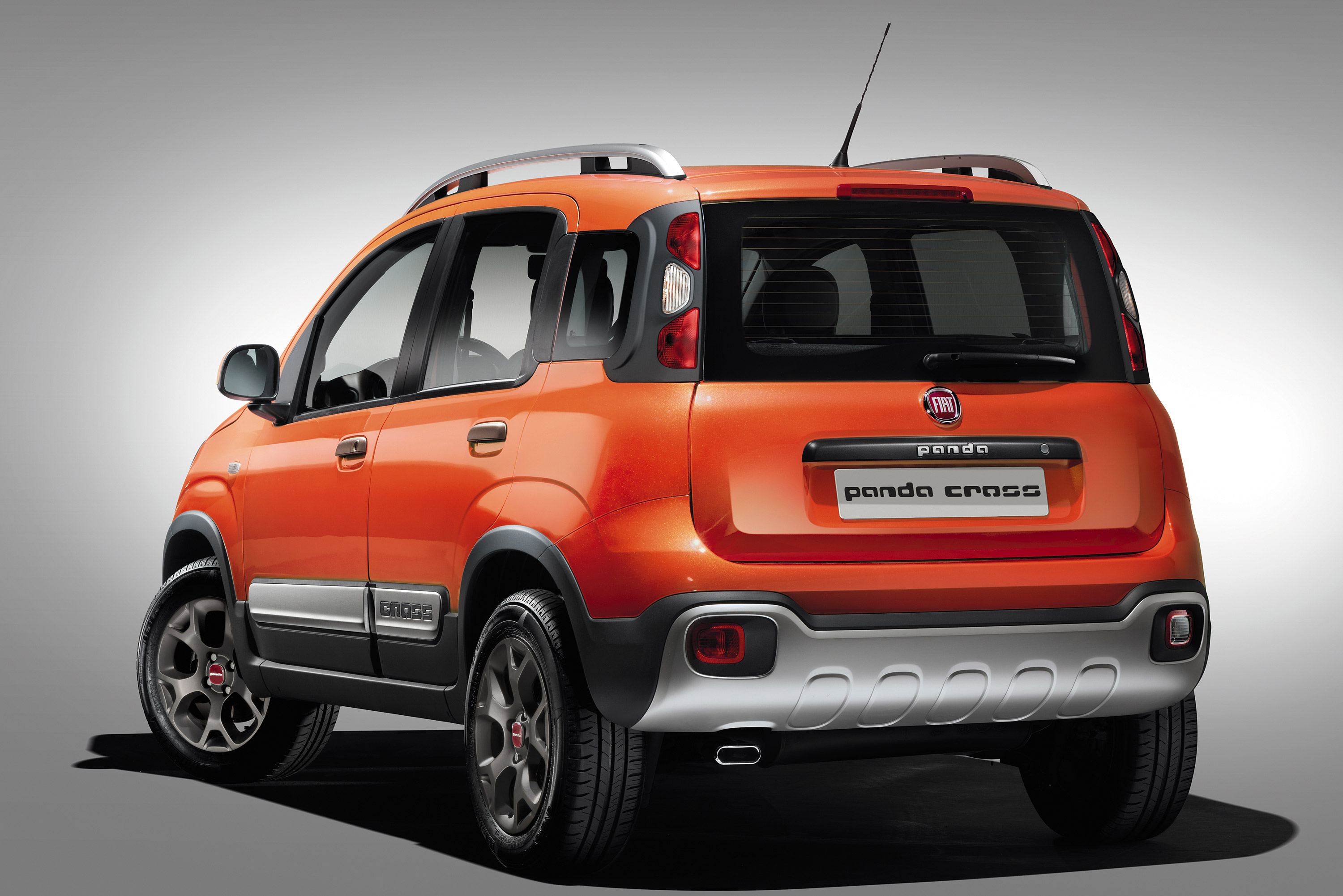 2014 fiat panda cross adds more rugged looks. Black Bedroom Furniture Sets. Home Design Ideas