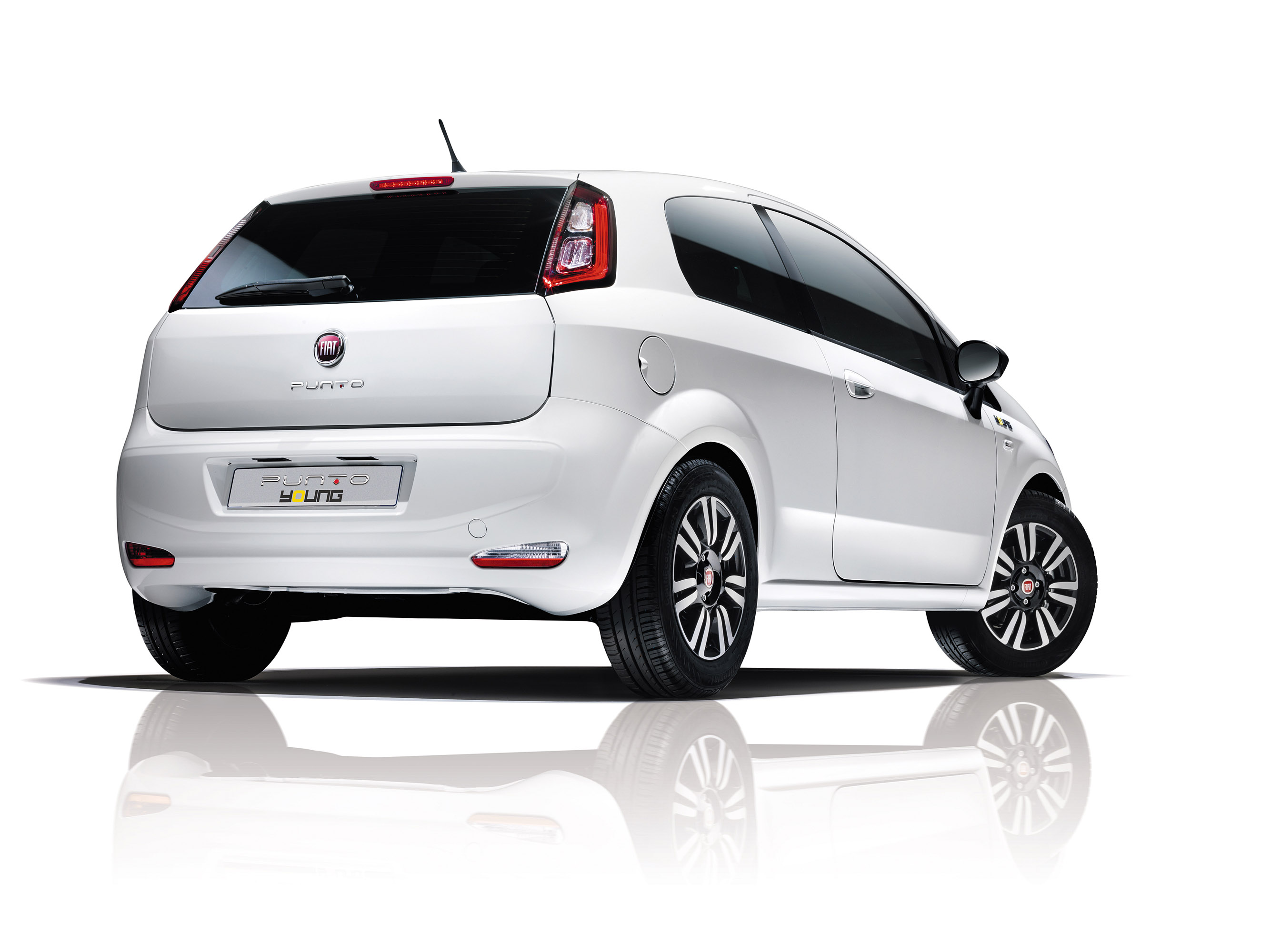2014 fiat punto young price. Black Bedroom Furniture Sets. Home Design Ideas