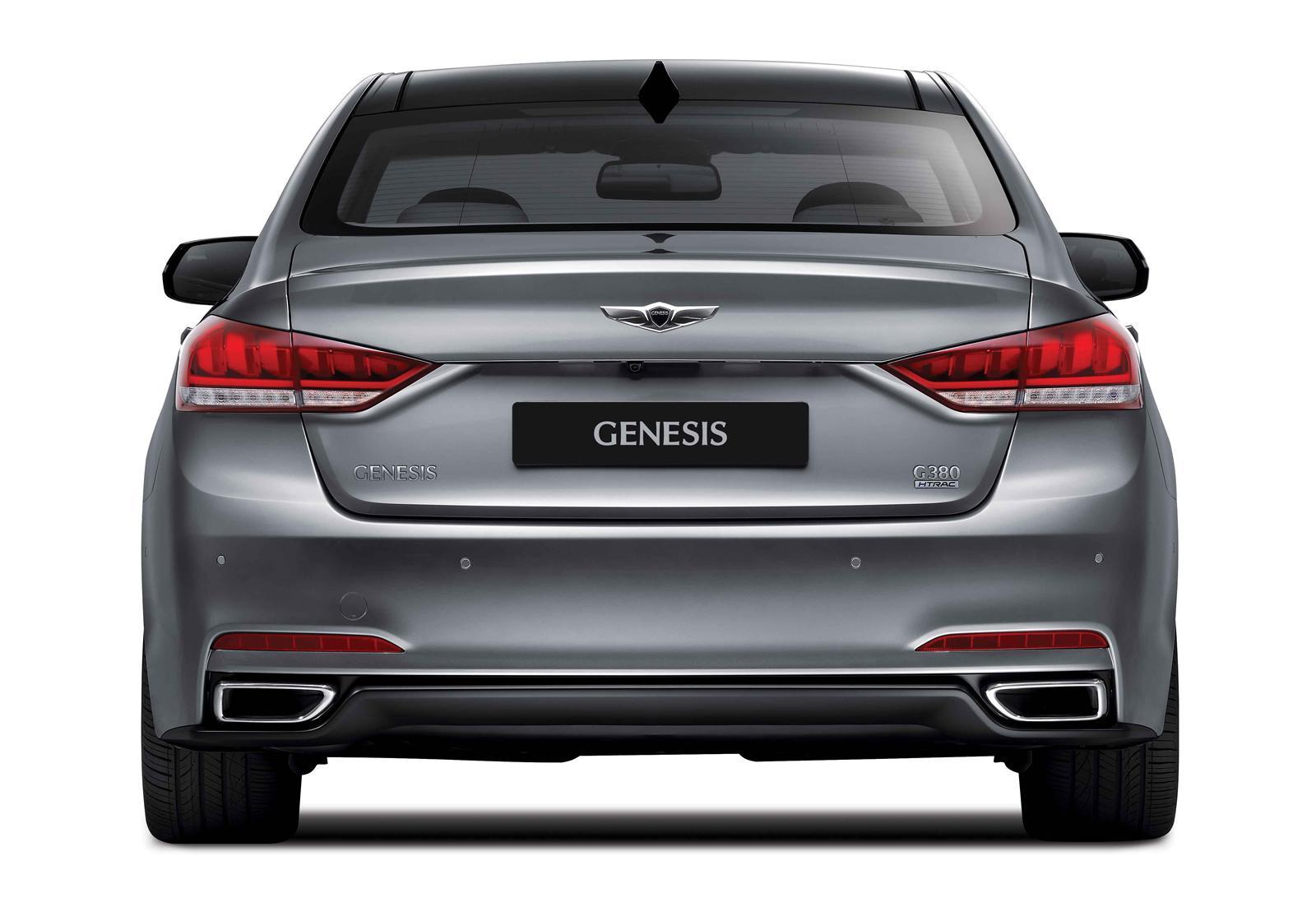2015 Hyundai Genesis At The Nurburgring Video