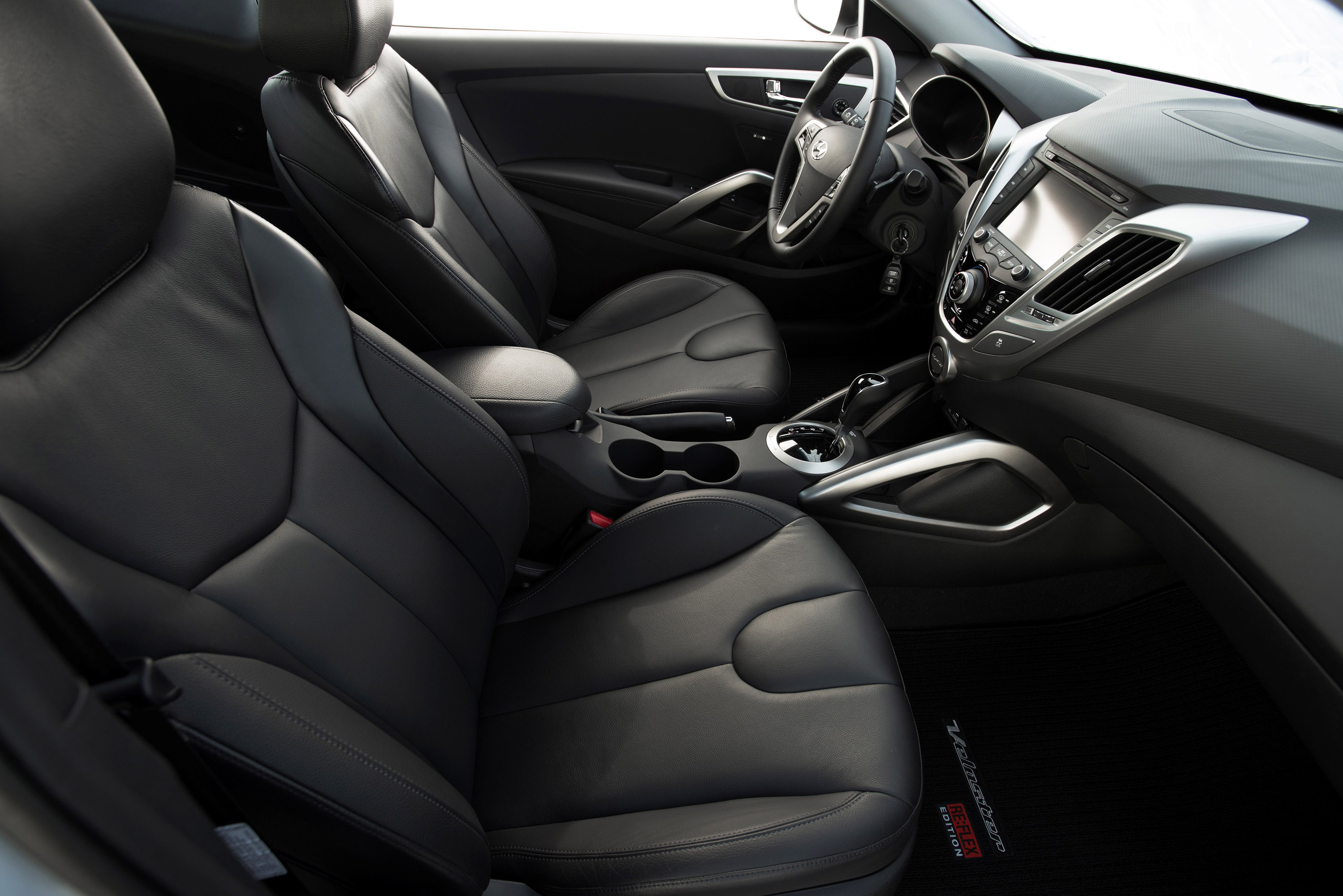 2014 hyundai veloster re flex shown at chicago auto show. Black Bedroom Furniture Sets. Home Design Ideas