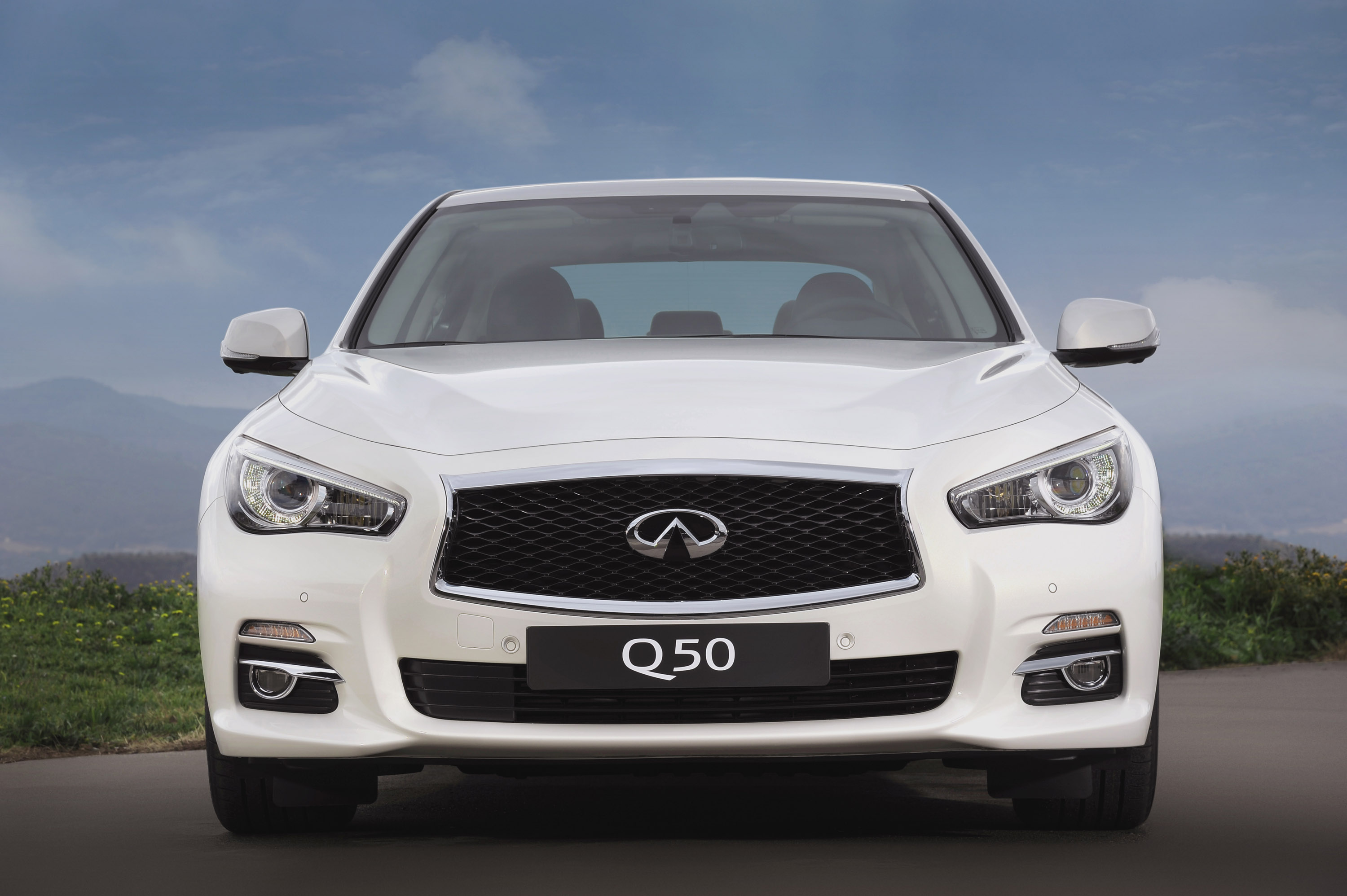 2014 infiniti q50 the safest on the road. Black Bedroom Furniture Sets. Home Design Ideas