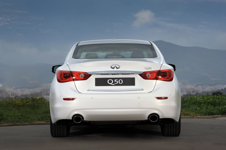 2014 Infiniti Q50 Adds Two Litre Turbocharged Petrol Engine