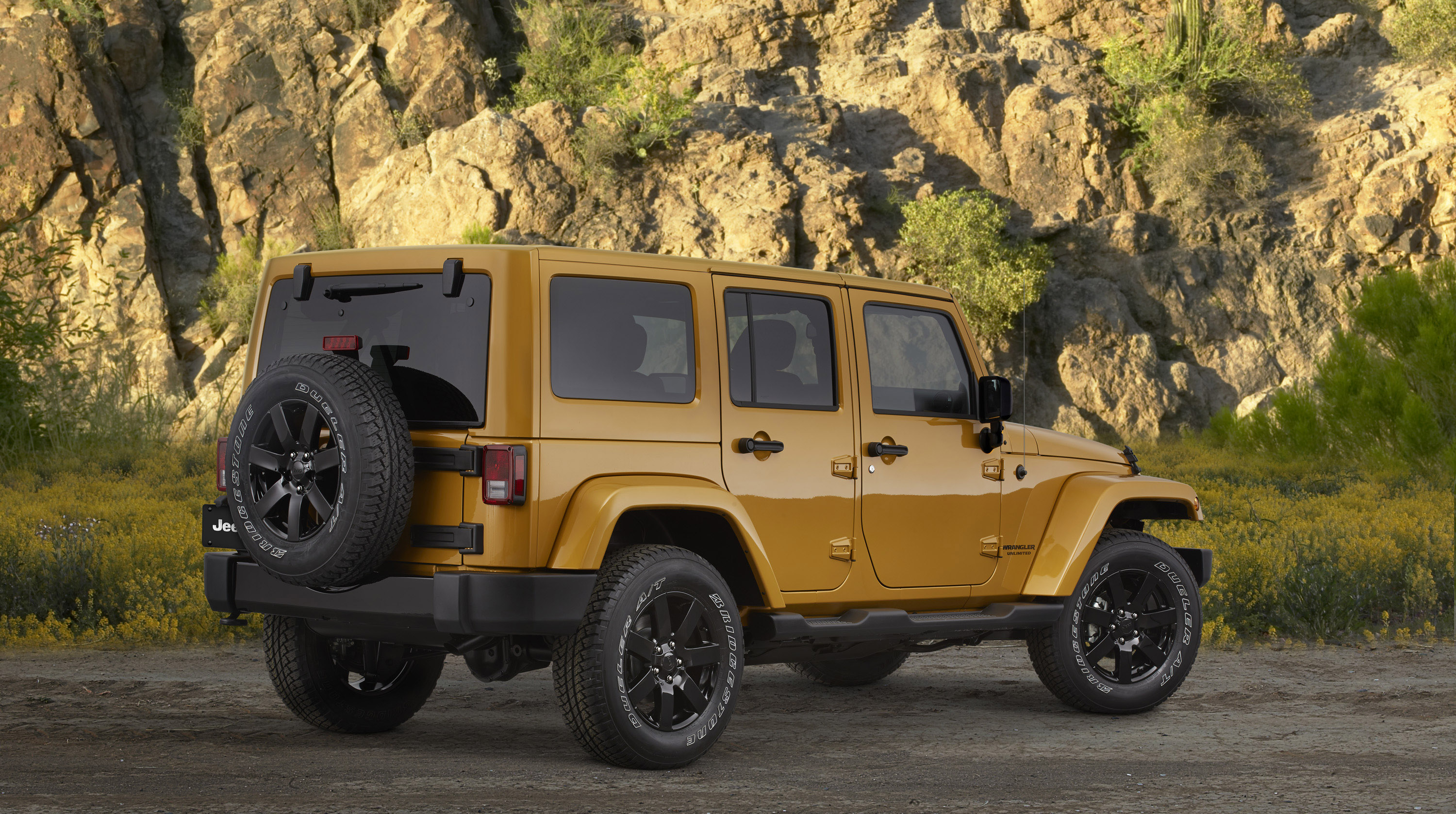 2014 jeep wrangler altitude 2 of 4