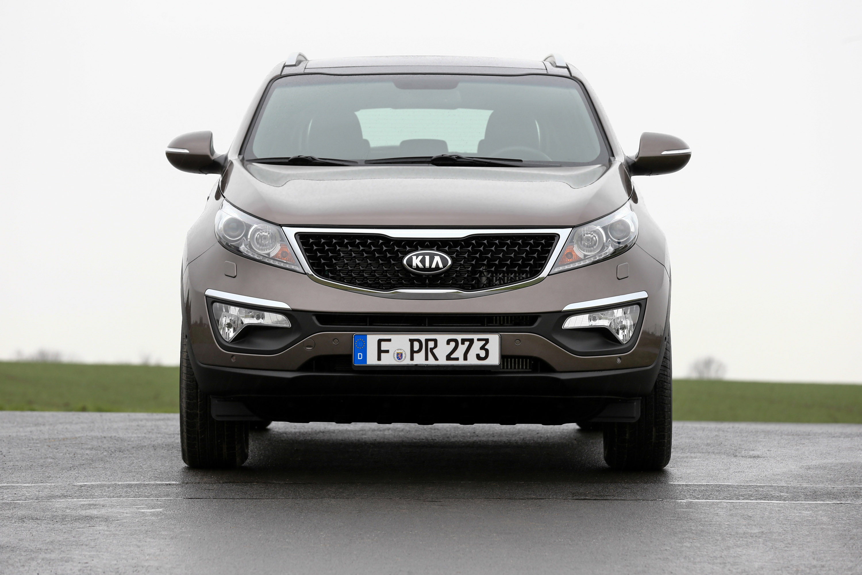 kia sportage my2014 update debuts at geneva. Black Bedroom Furniture Sets. Home Design Ideas