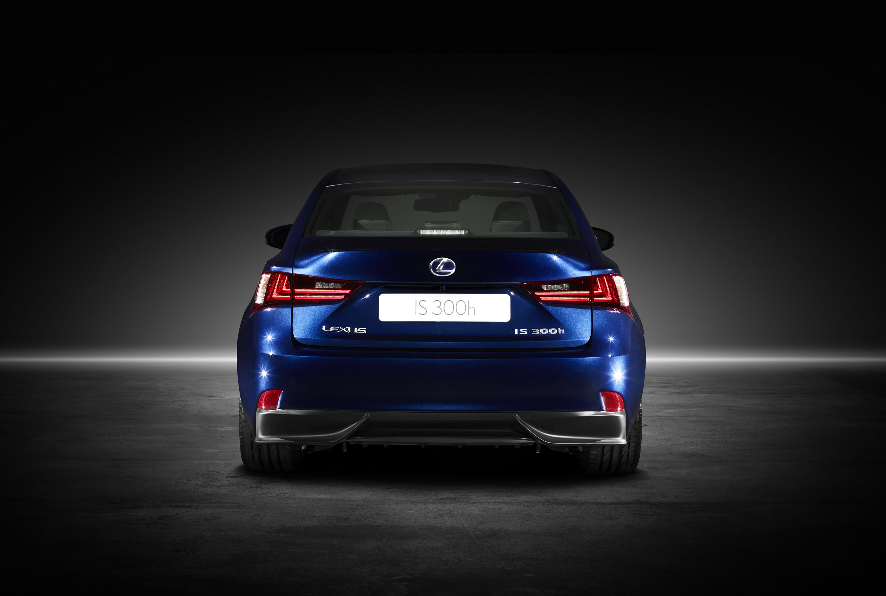 lexus launches 2014 is 250 350 and 300h sedans. Black Bedroom Furniture Sets. Home Design Ideas