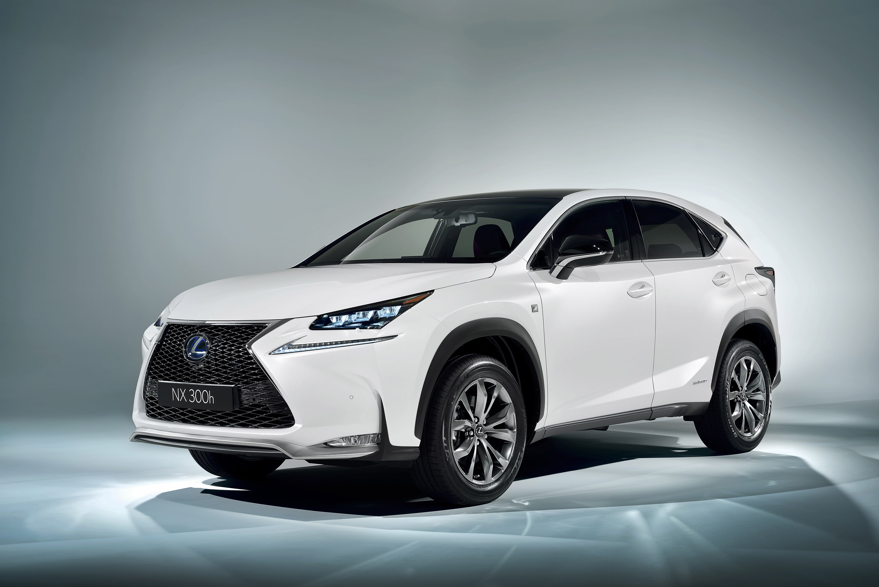 news rx gs lexus from wheel the edmunds awards win and suv