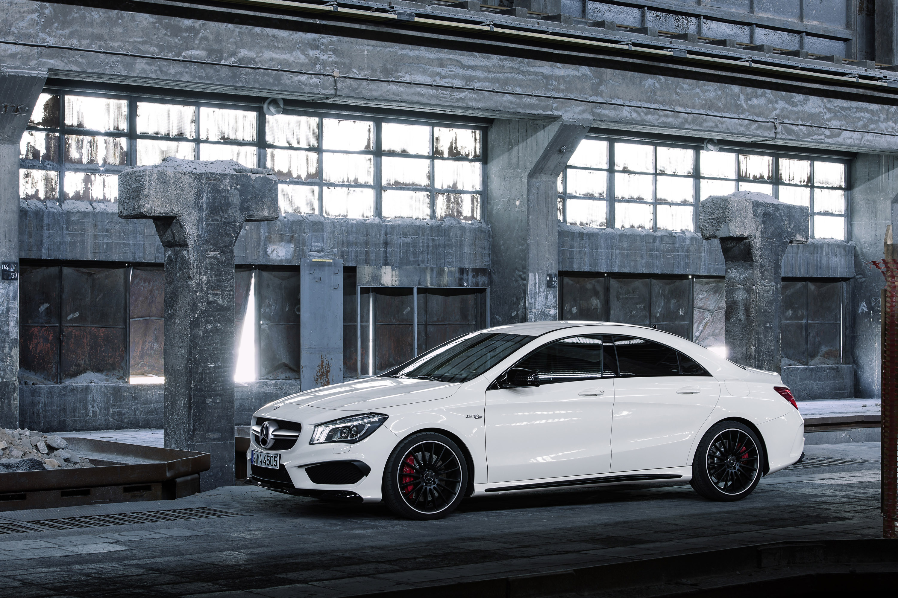 Mercedes-Benz CLA 45 AMG Picture 19 of 27, 2014