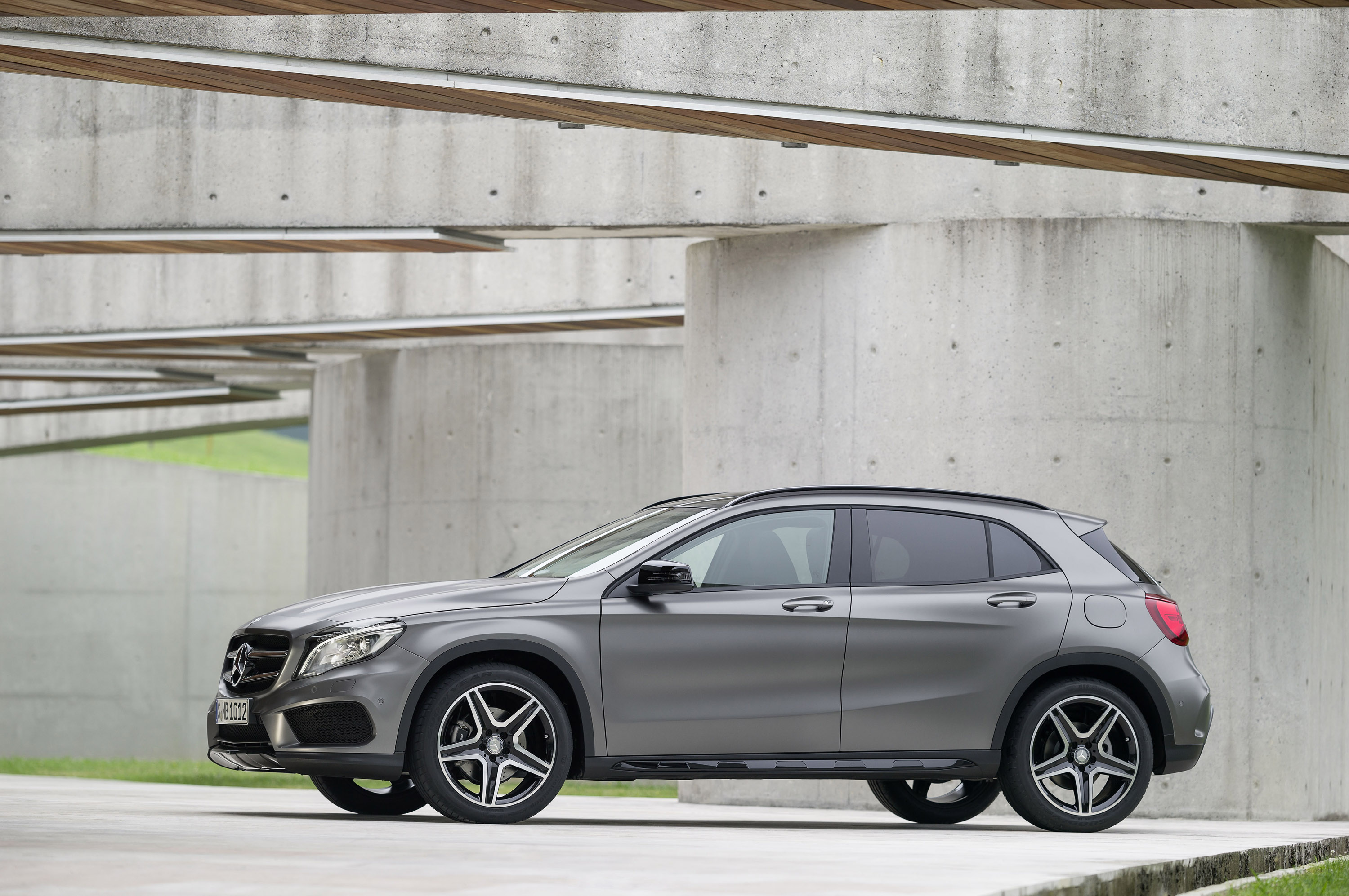 2014 mercedes benz gla efficiency and practicality