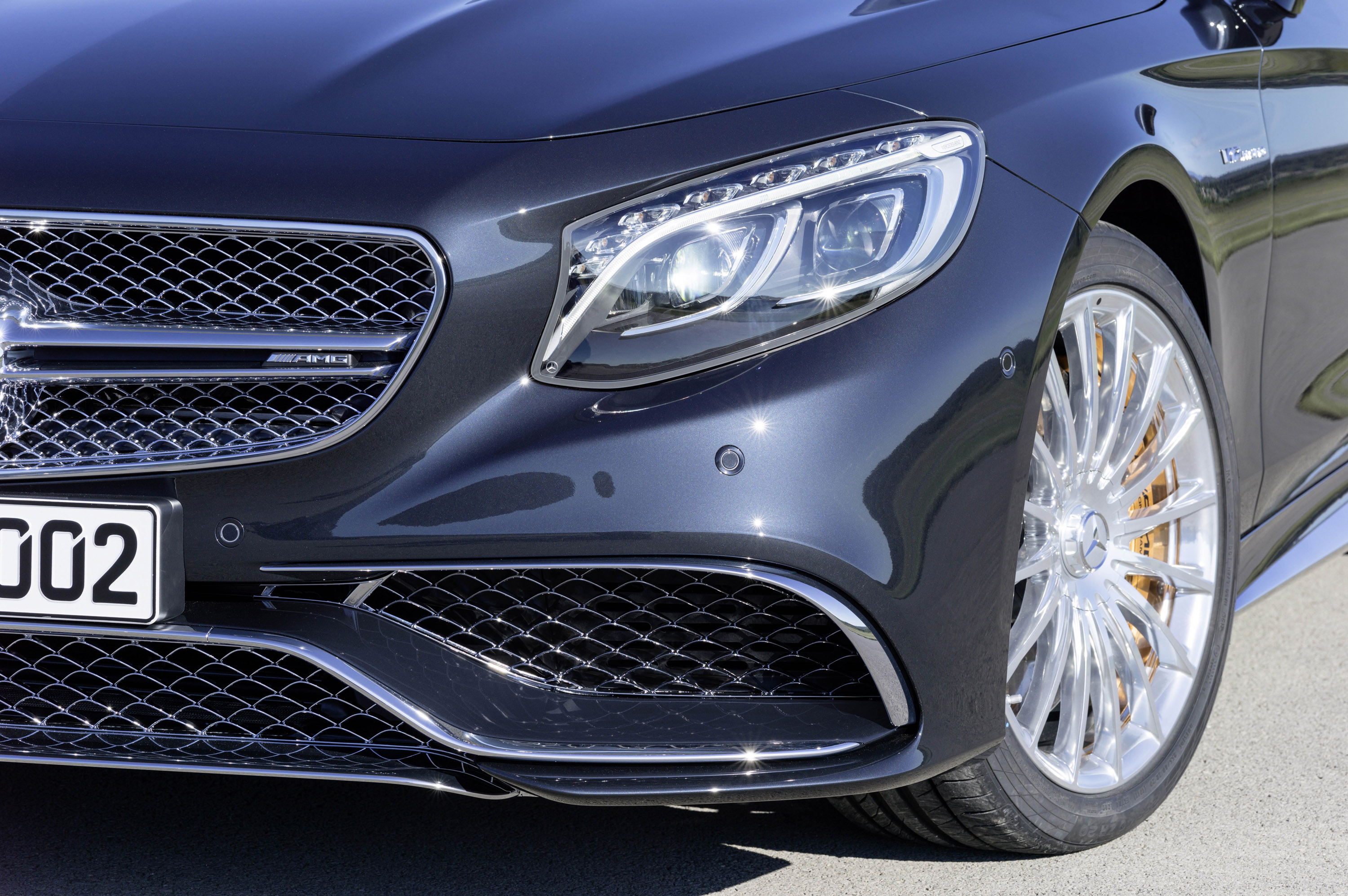 Mercedes reveals the sexy concept a sedan vehicle for 2014 mercedes benz s65 amg coupe