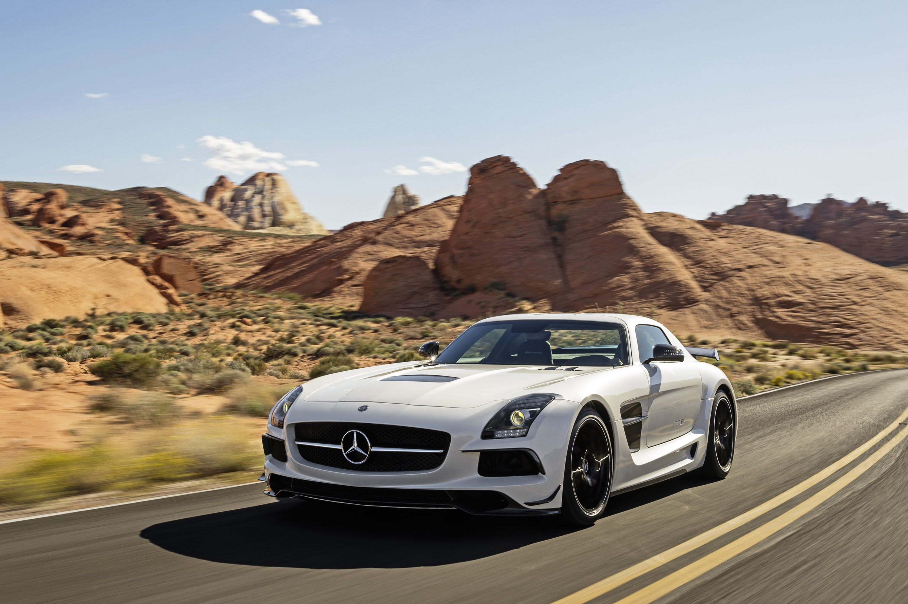 Mercedes benz sls amg black series us price 275 000 for Mercedes benz amg price