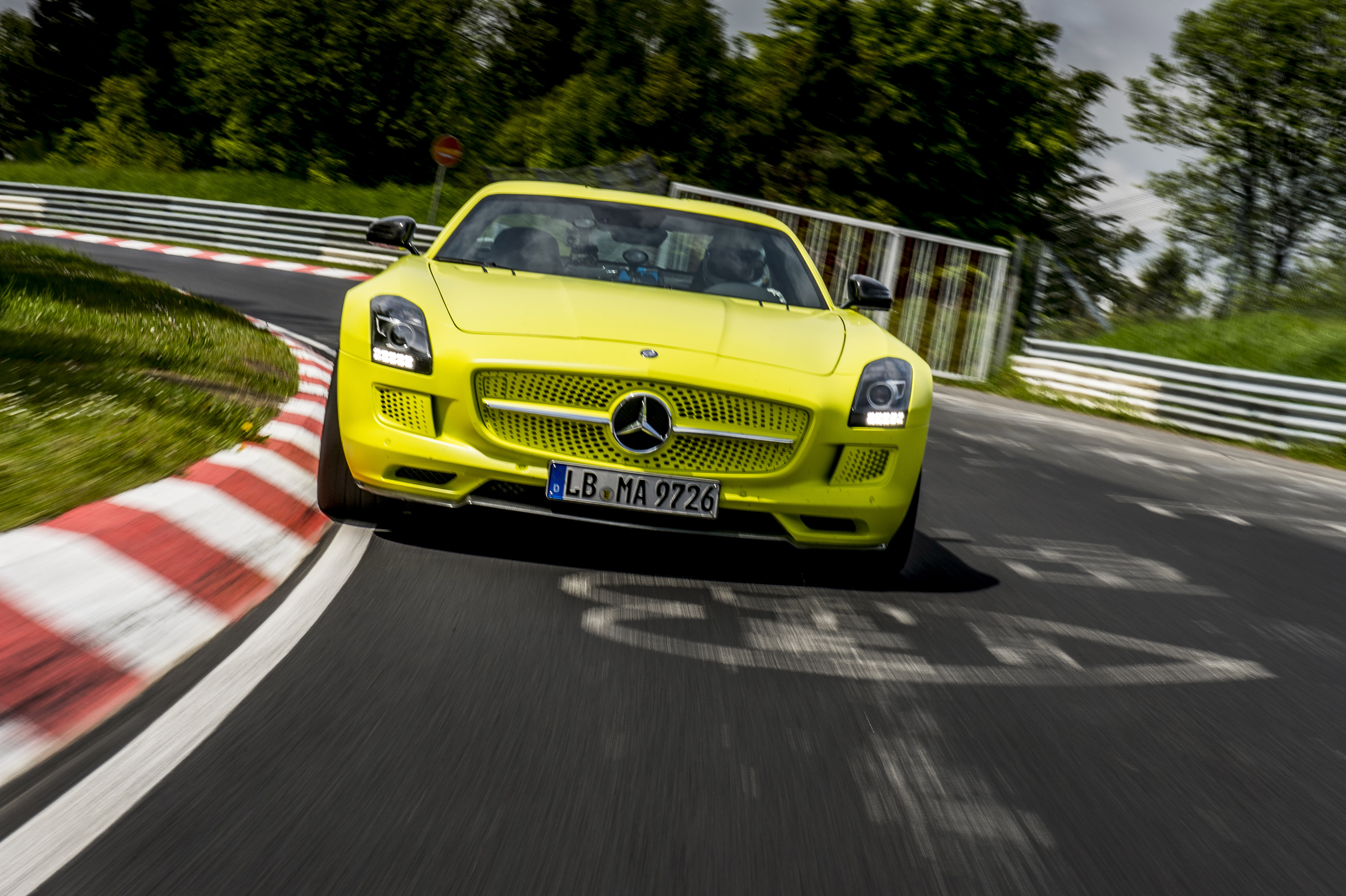 2014 mercedes benz sls amg coupe electric drive production car for Mercedes benz sls amg electric drive
